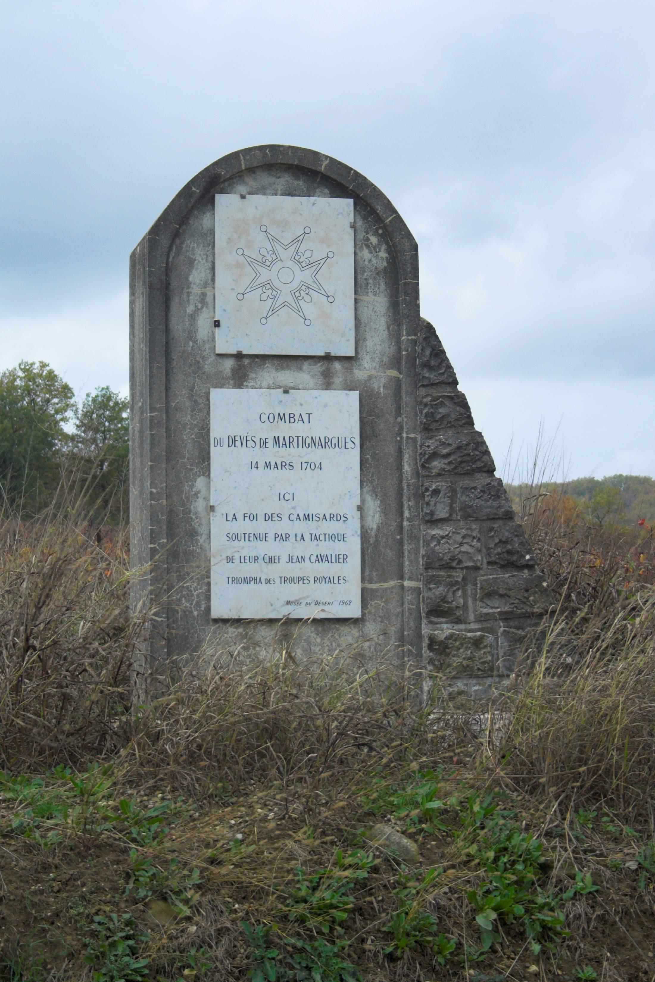 Martignargues monument des camisards combats du Devés.jpg