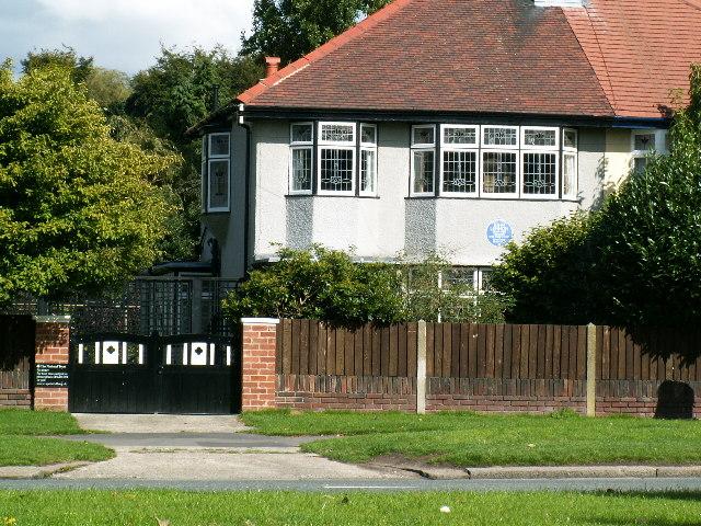 The Beatles Polska: Mendips - dom rodzinny Lennona w Liverpoolu.