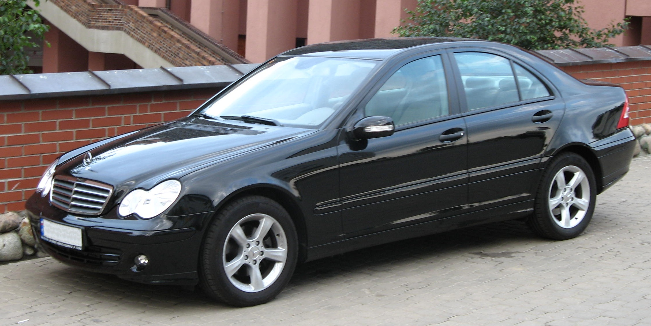 Fichier mercedes benz c180 kompressor w203 jpg wikip dia for C180 mercedes benz