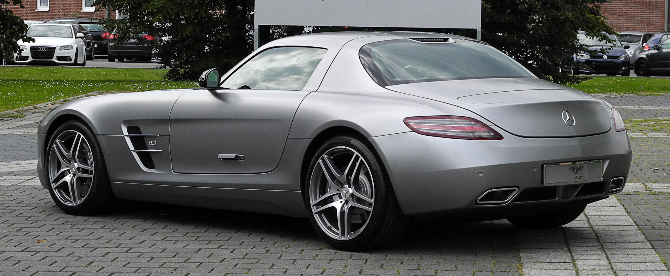 File mercedes benz sls amg c 197 heckansicht 1 10 for How much are mercedes benz