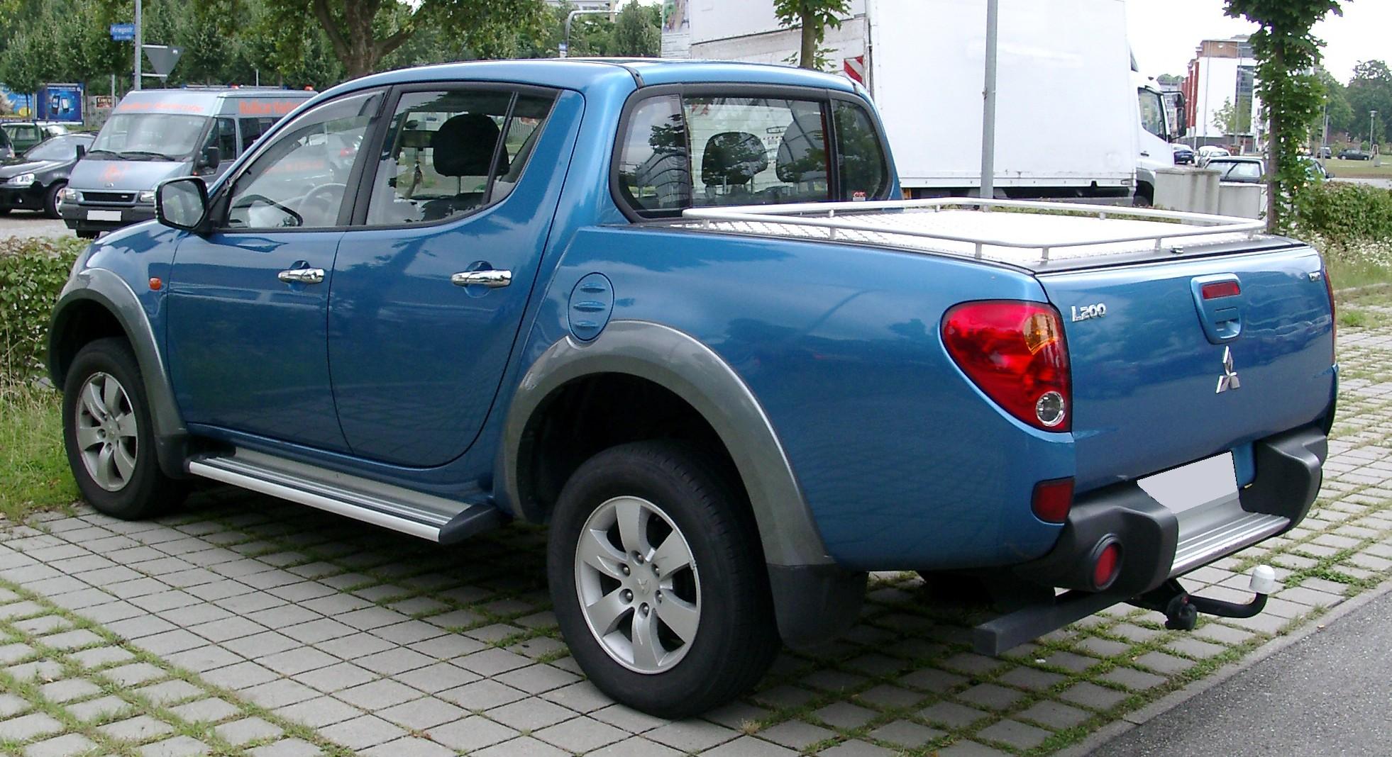 File:Mitsubishi L200 rear 20080722.jpg - Wikimedia Commons