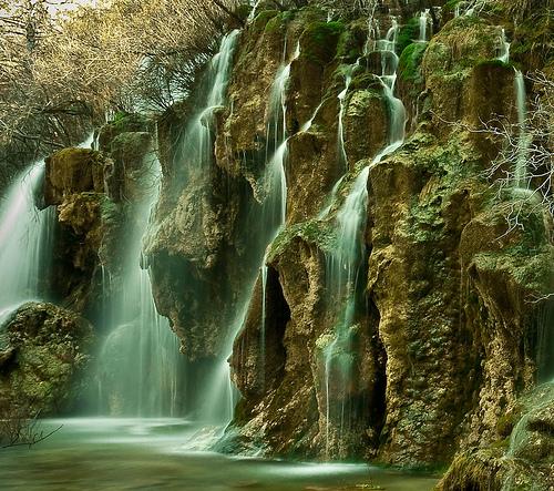 File:Nacimiento del río Cuervo.jpg