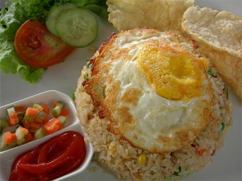 [Indonesia] Language, Culture, and Cuisine Nasi_Goreng_Ikan_Asin