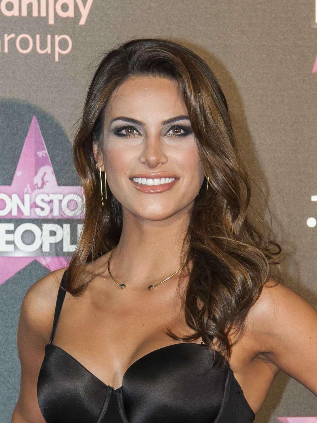 ¿Que piensas de los concursos de belleza? Non_Stop_People_-_Carla_Garc%C3%ADa-_Miss_Universo_España_%2821635412282%29_%28cropped%29