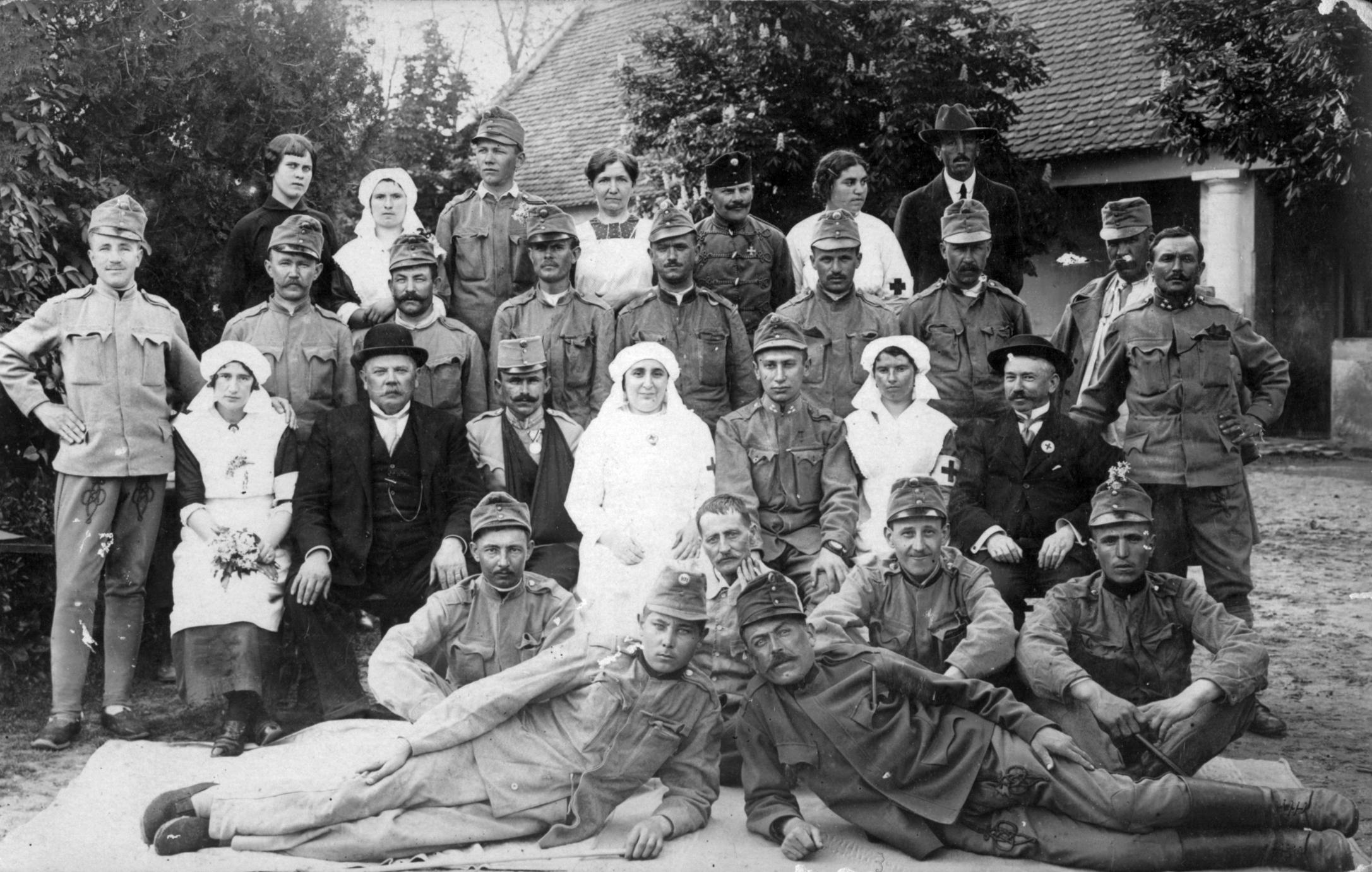 Sensational File Nurse Soldier Tableau First World War Uniform Download Free Architecture Designs Meptaeticmadebymaigaardcom