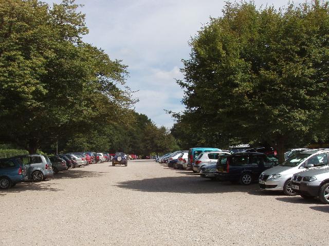 Pembroke Lodge car park, Richmond Park - geograph.org.uk - 909982