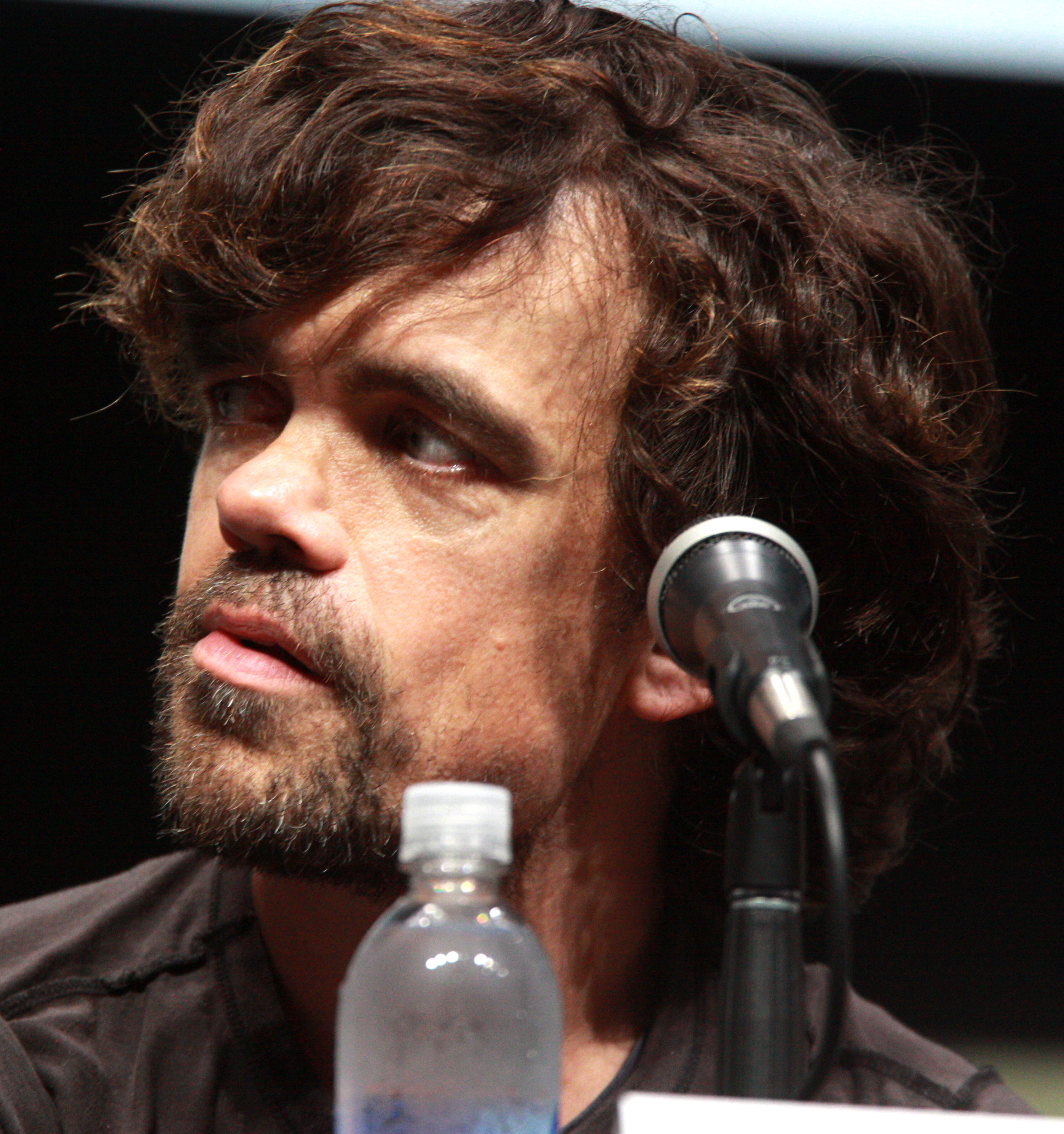 The 48-year old son of father (?) and mother(?), 135 cm tall Peter Dinklage in 2018 photo