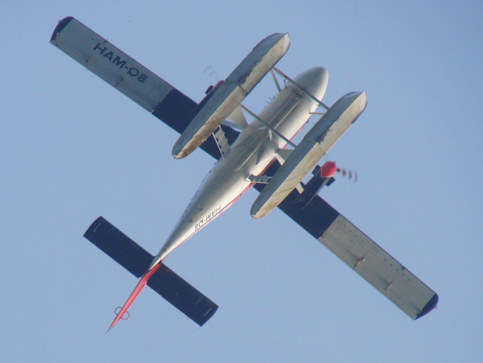 Datei:Photograph of 8Q MAH DHC 6 Twin Otter floatplane