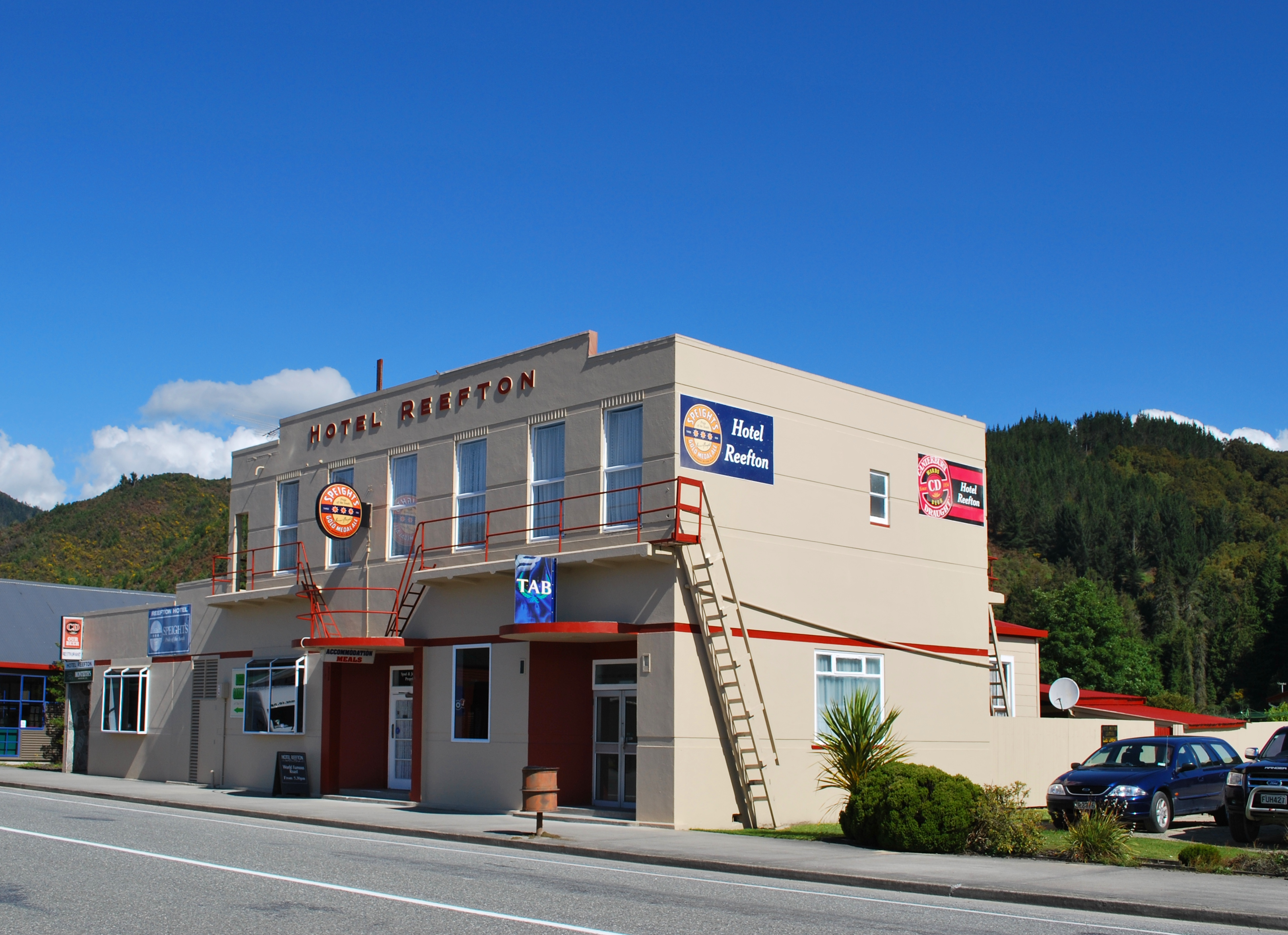 Reefton New Zealand  city photos : Reefton Hotel 001 Wikimedia Commons
