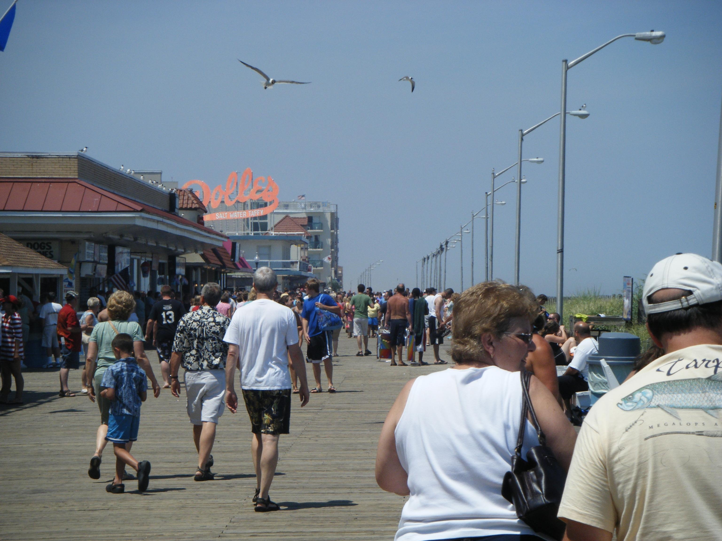 File Rehoboth Beach Boardwalk At Wilmington Avenue Looking North Jpg