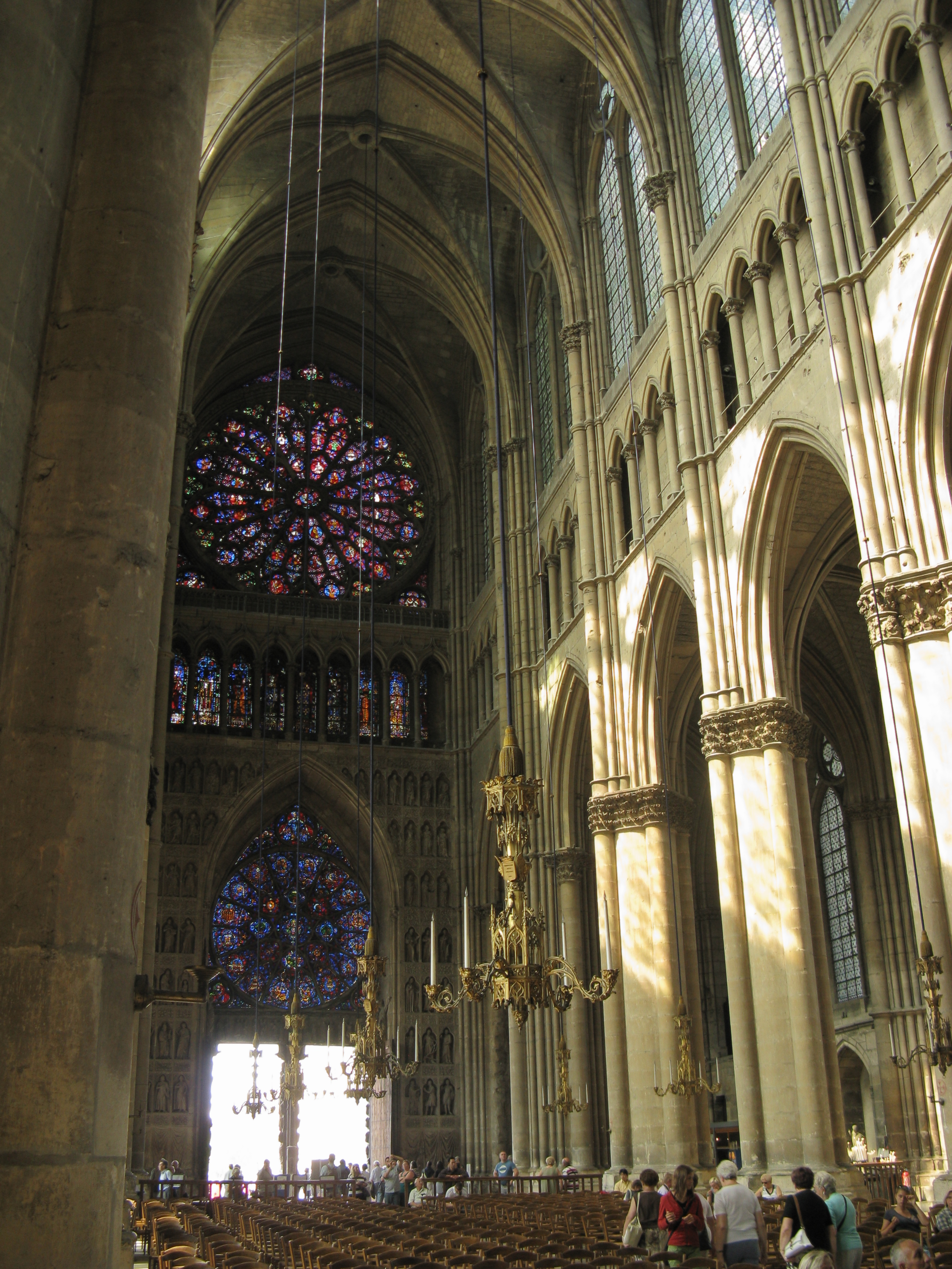 File:Reims Cathedral nave interior.JPG