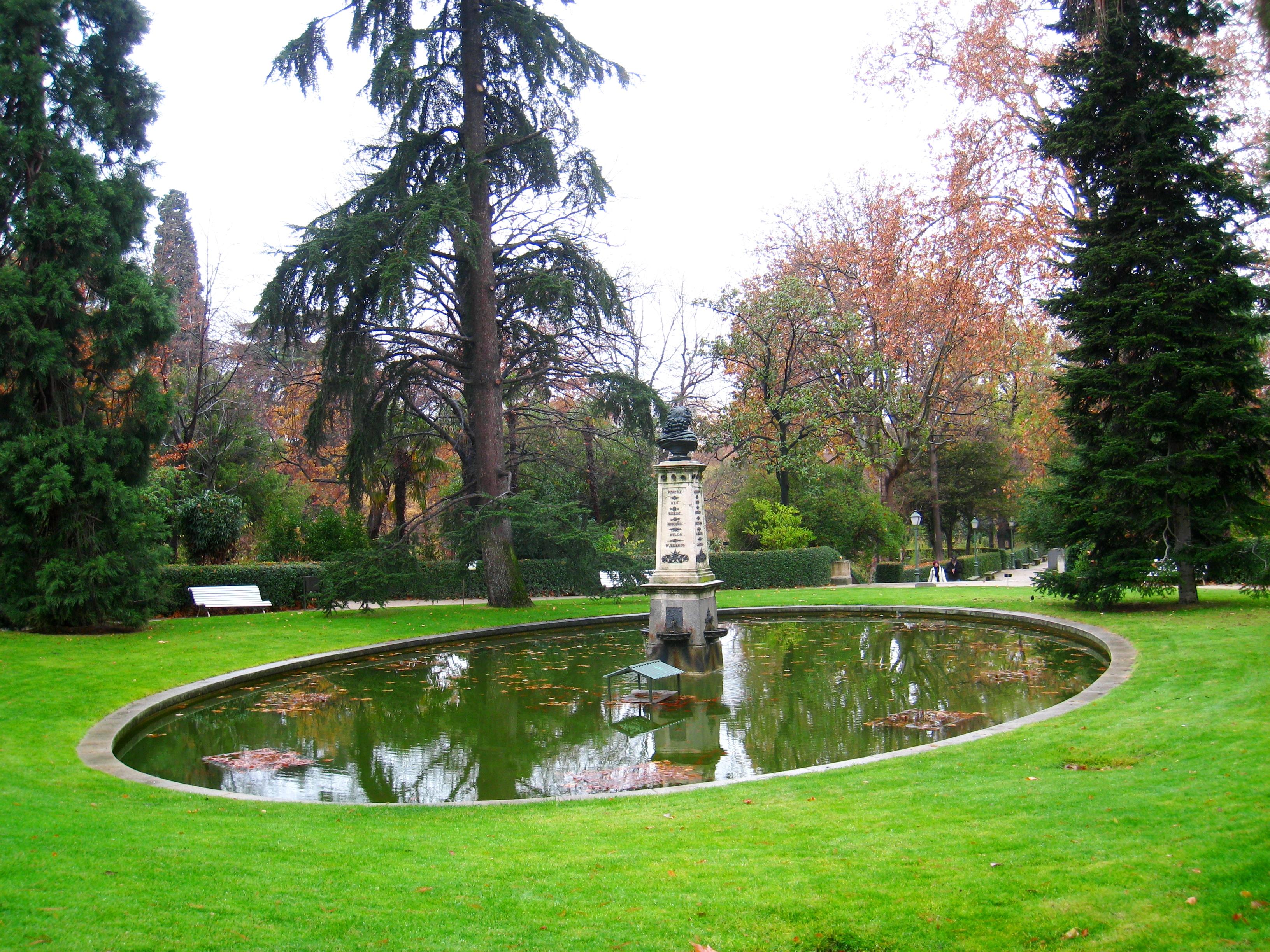 File royal botanical garden madrid view 10 jpg for Botanic com jardin