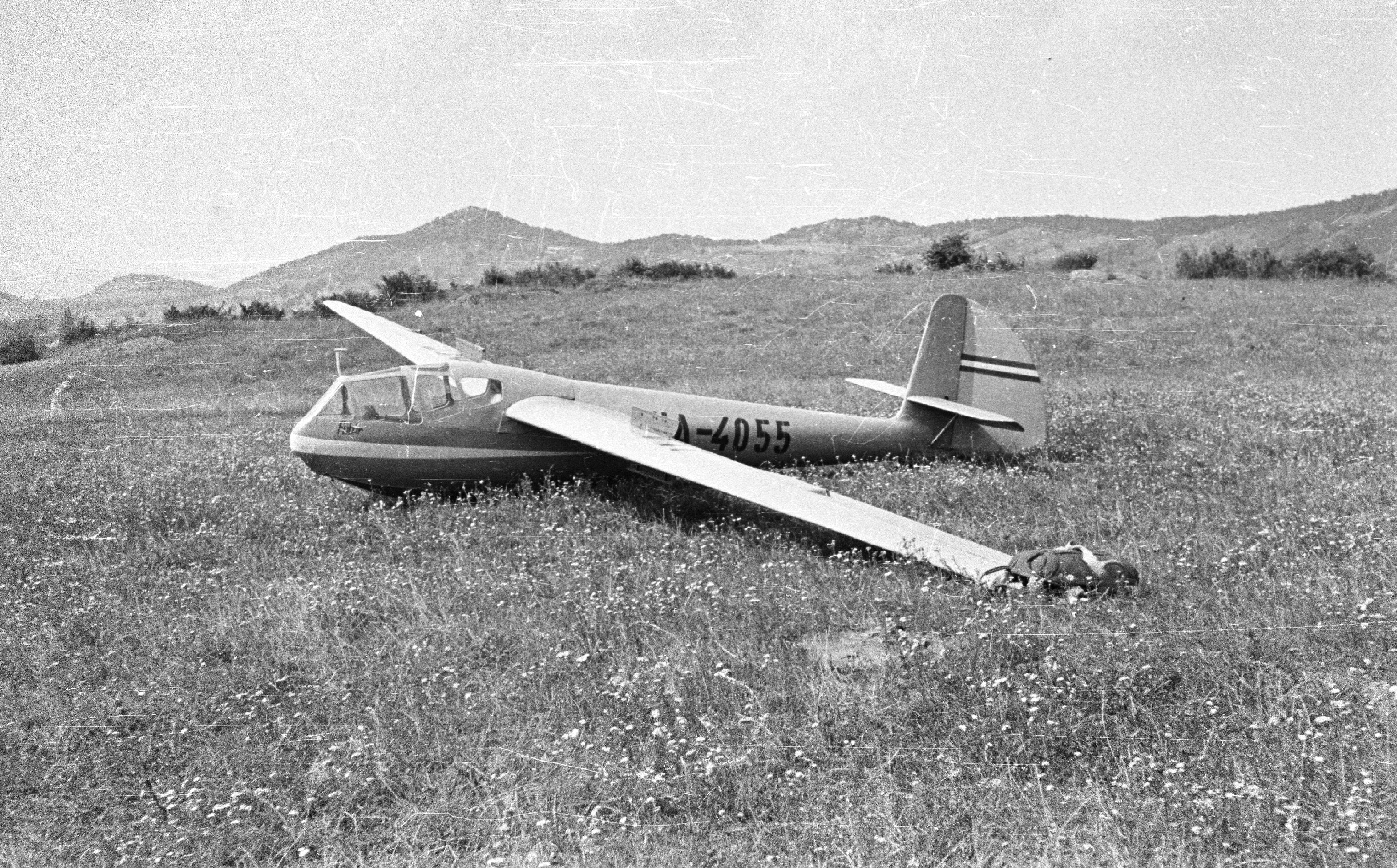 File Rubik R-22 Futár vitorlázó repülőgép. Fortepan 29807.jpg ... b45b462d63