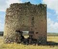 Ruinas del molino de viento de Malanquilla.jpg