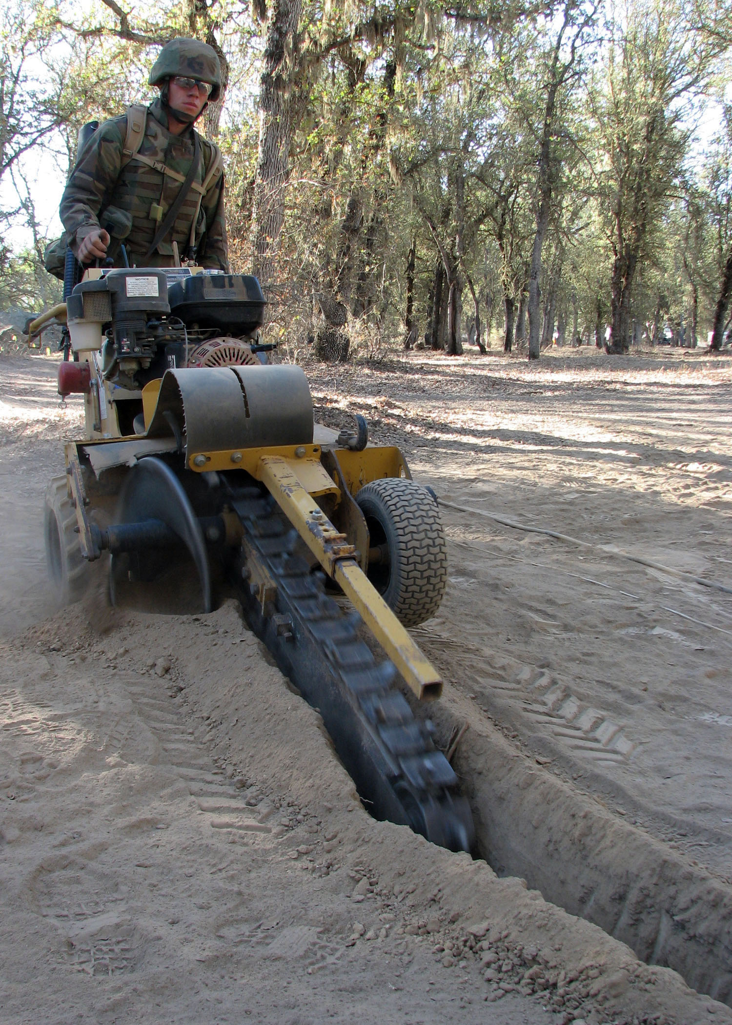 Seabee_using_trencher