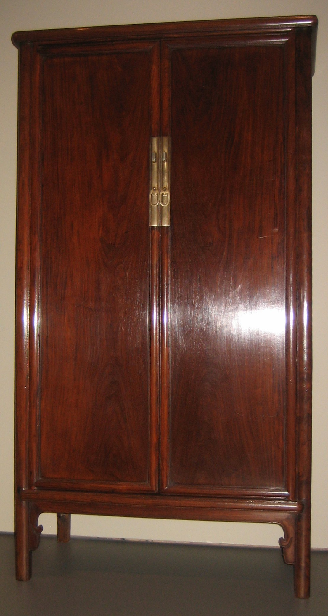 File:Sloping Side Wood Hinged Cabinet, C. 1600 1700,