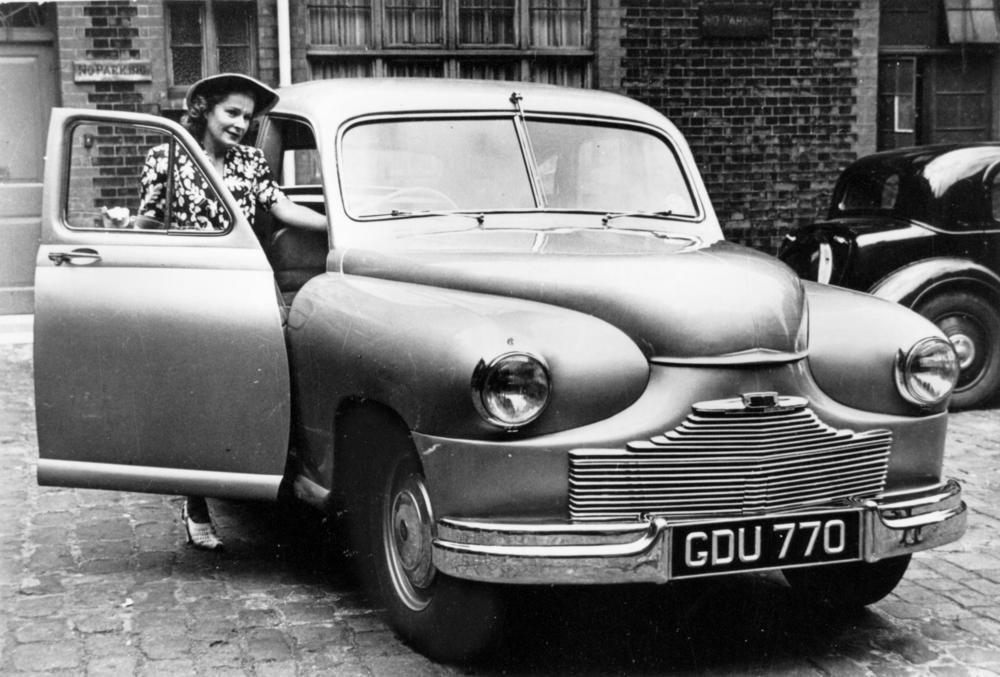 Cars For Less >> File:StateLibQld 1 121388 Standard Vanguard 'Phase 1', 1947.jpg - Wikimedia Commons
