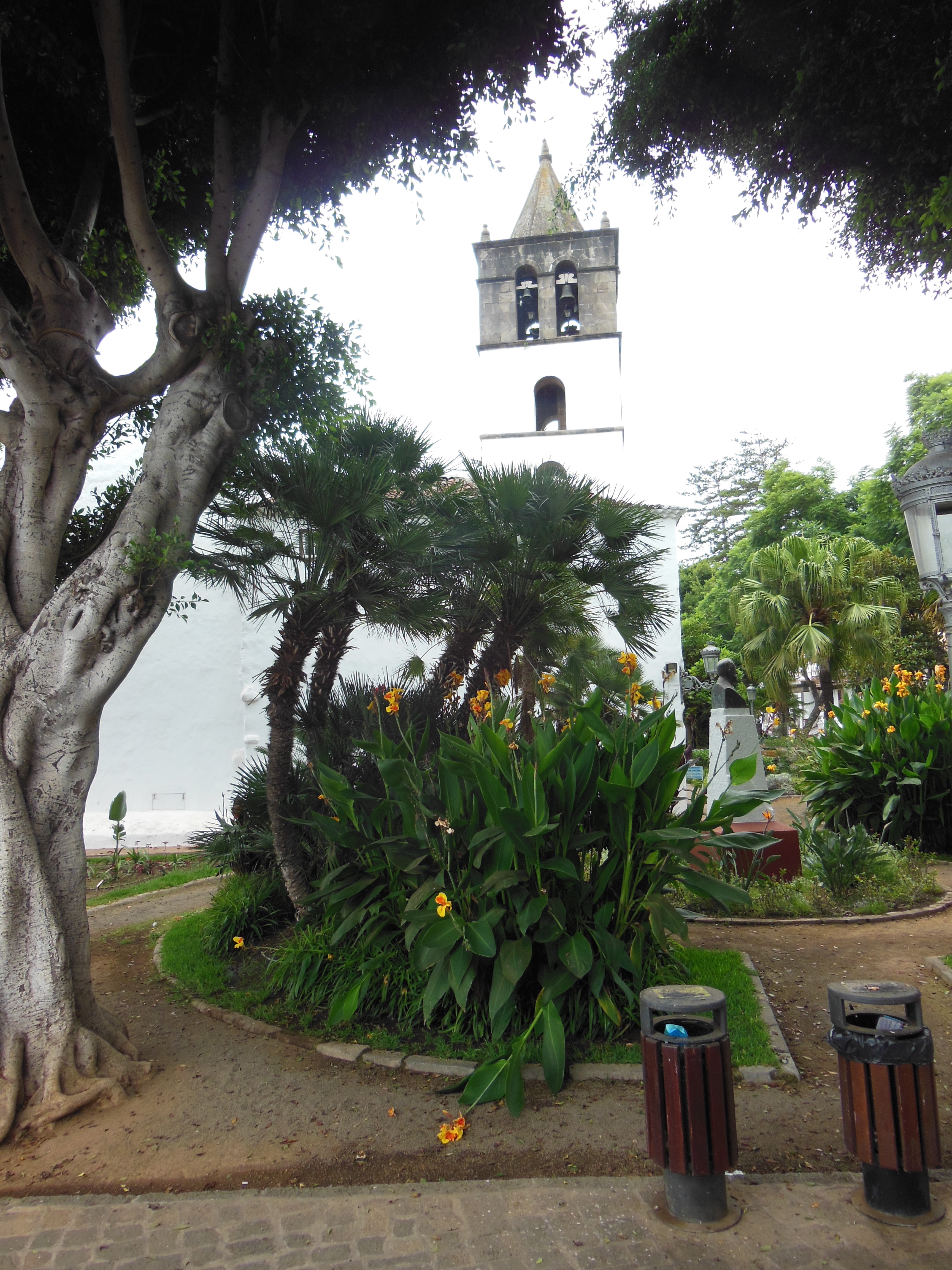 File:The Church of San Marcos (St. Mark) is located on the Plaza de ...