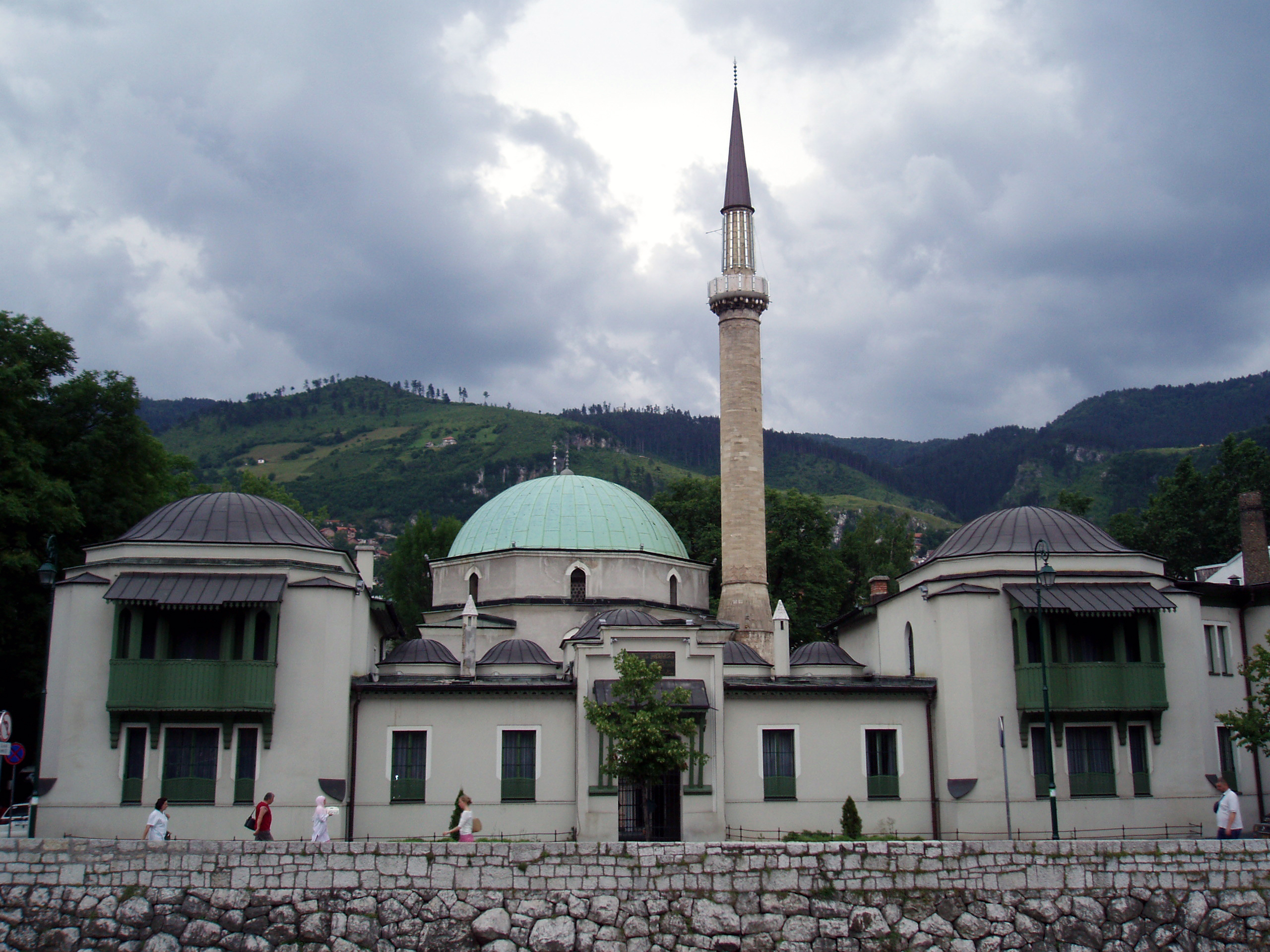 http://upload.wikimedia.org/wikipedia/commons/b/b3/Tsars_Mosque.jpg