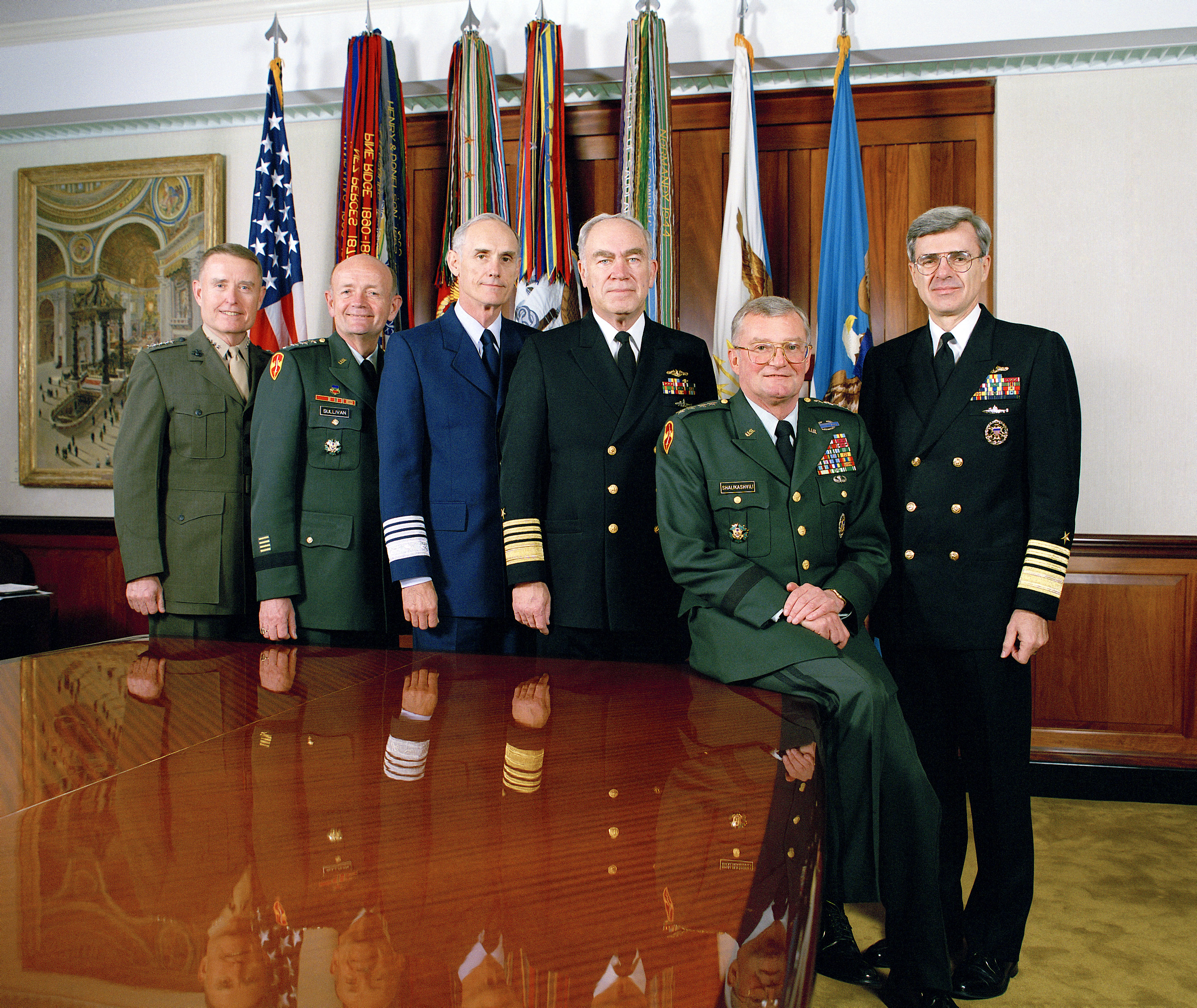 ELI5: Why do people in the military often wear their uniform