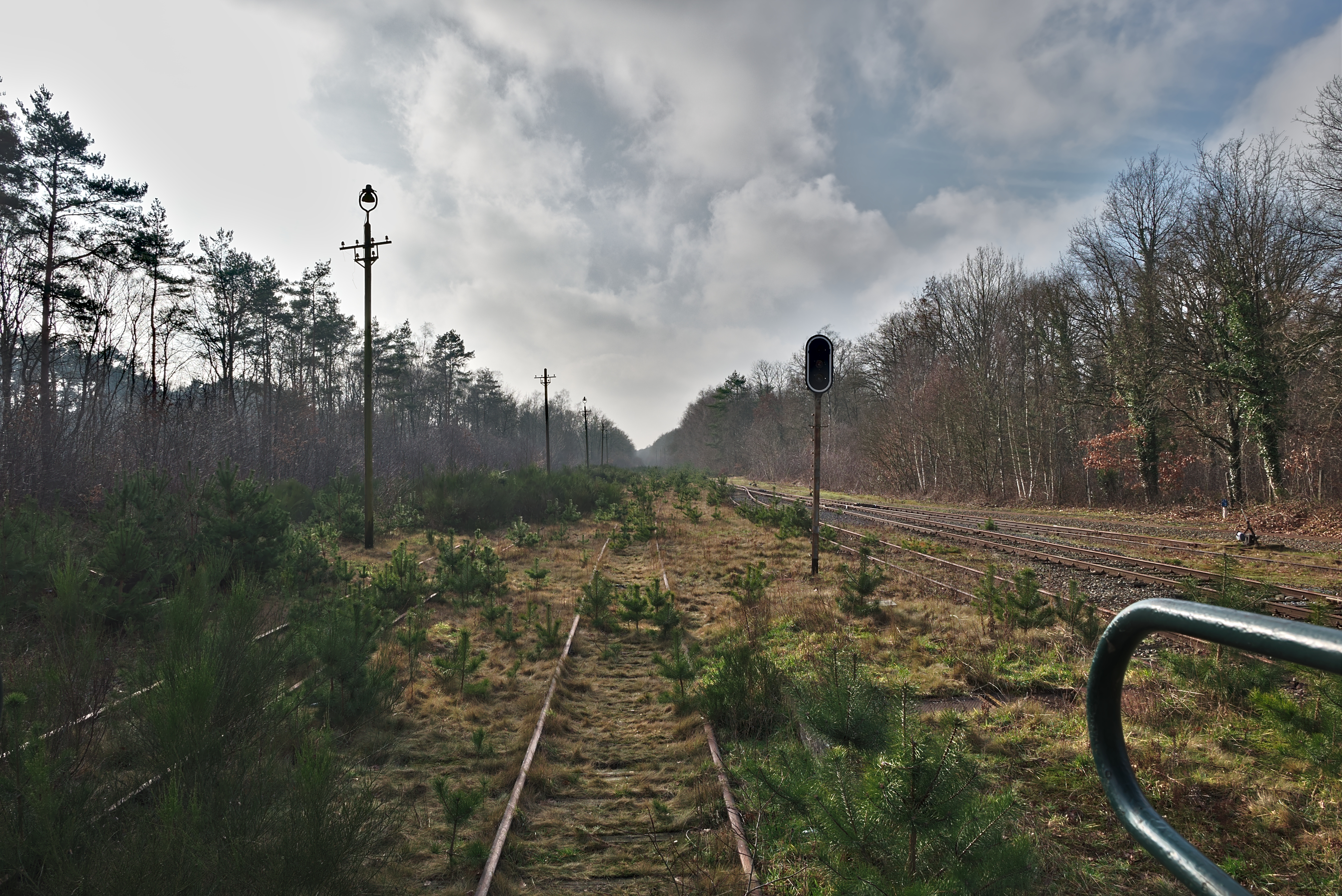 File:View of an abandoned train track from the back of the