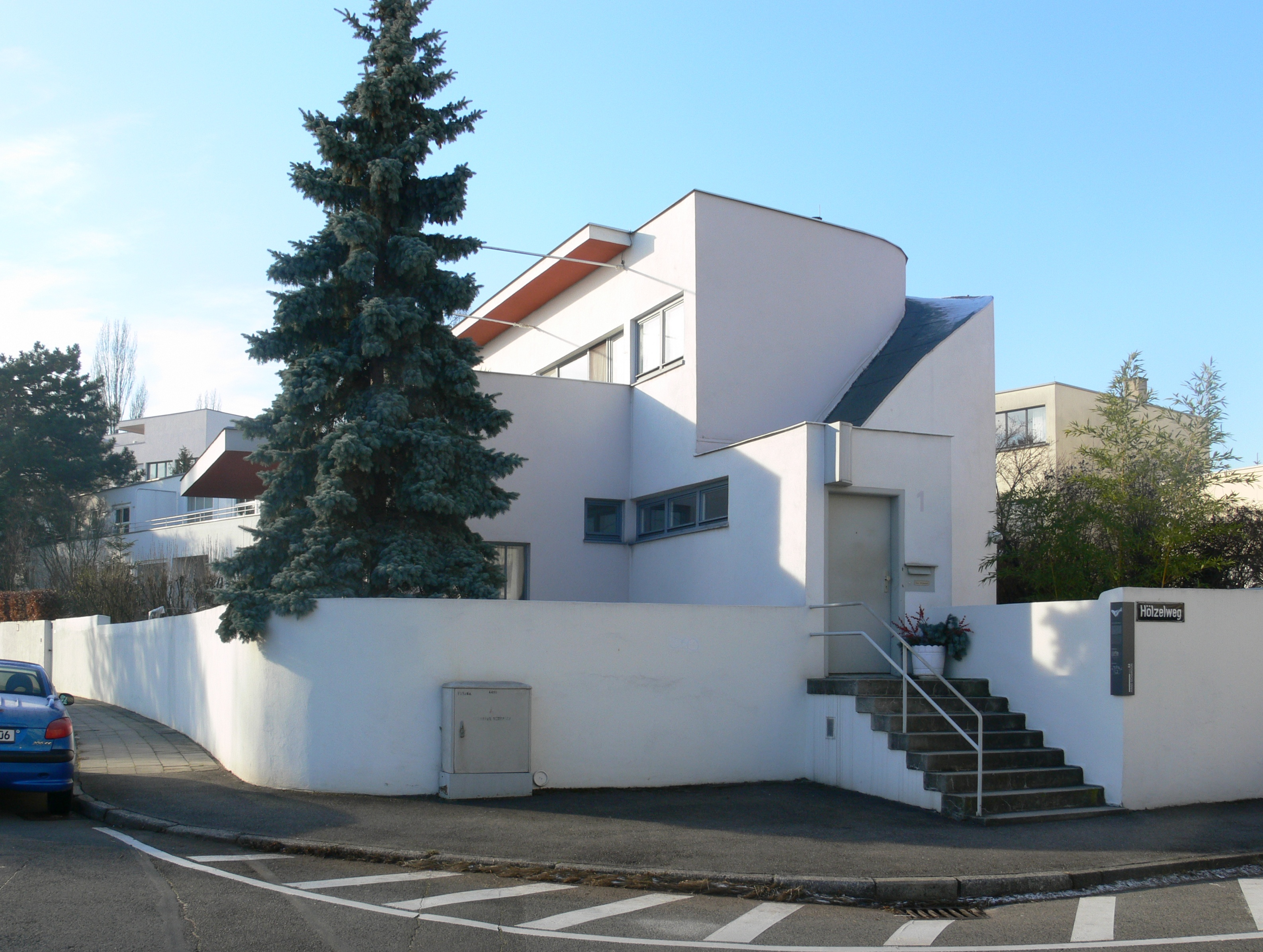 File weissenhof haus scharoun wikimedia commons for Villas weissenhofsiedlung