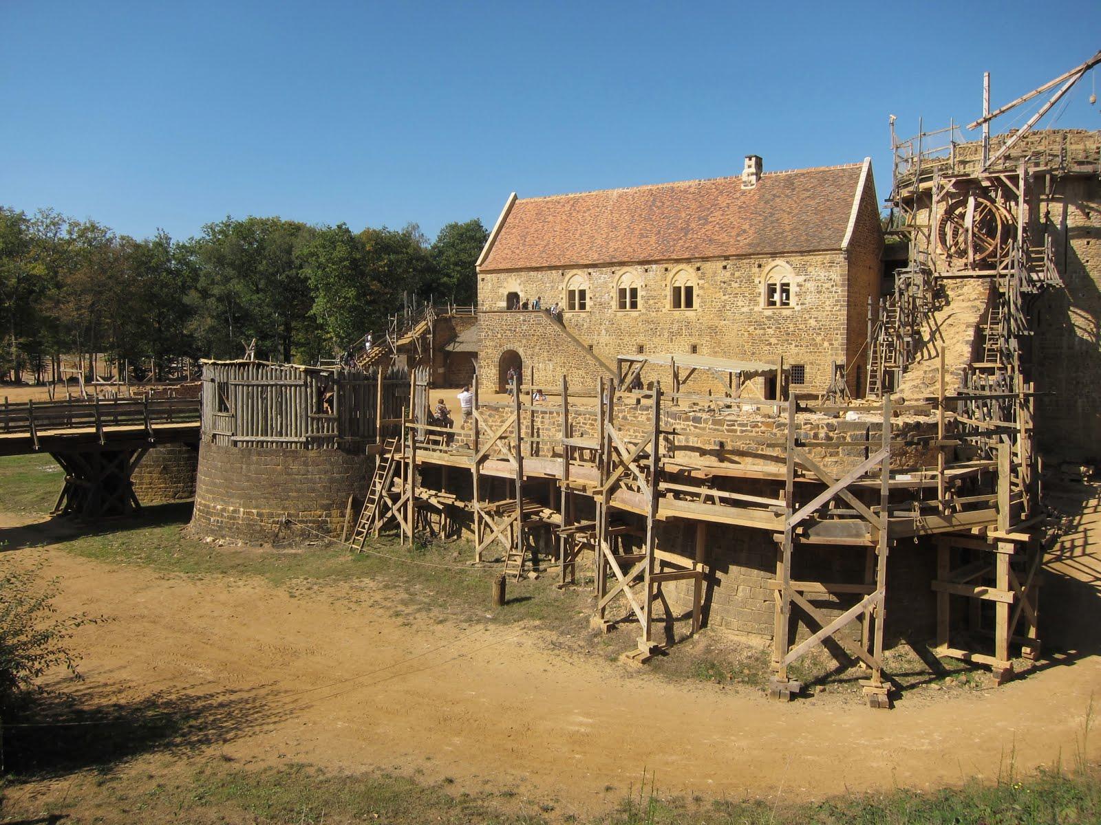 file 39 13th century 39 castle gu delon 9 years into construction in 2011. Black Bedroom Furniture Sets. Home Design Ideas