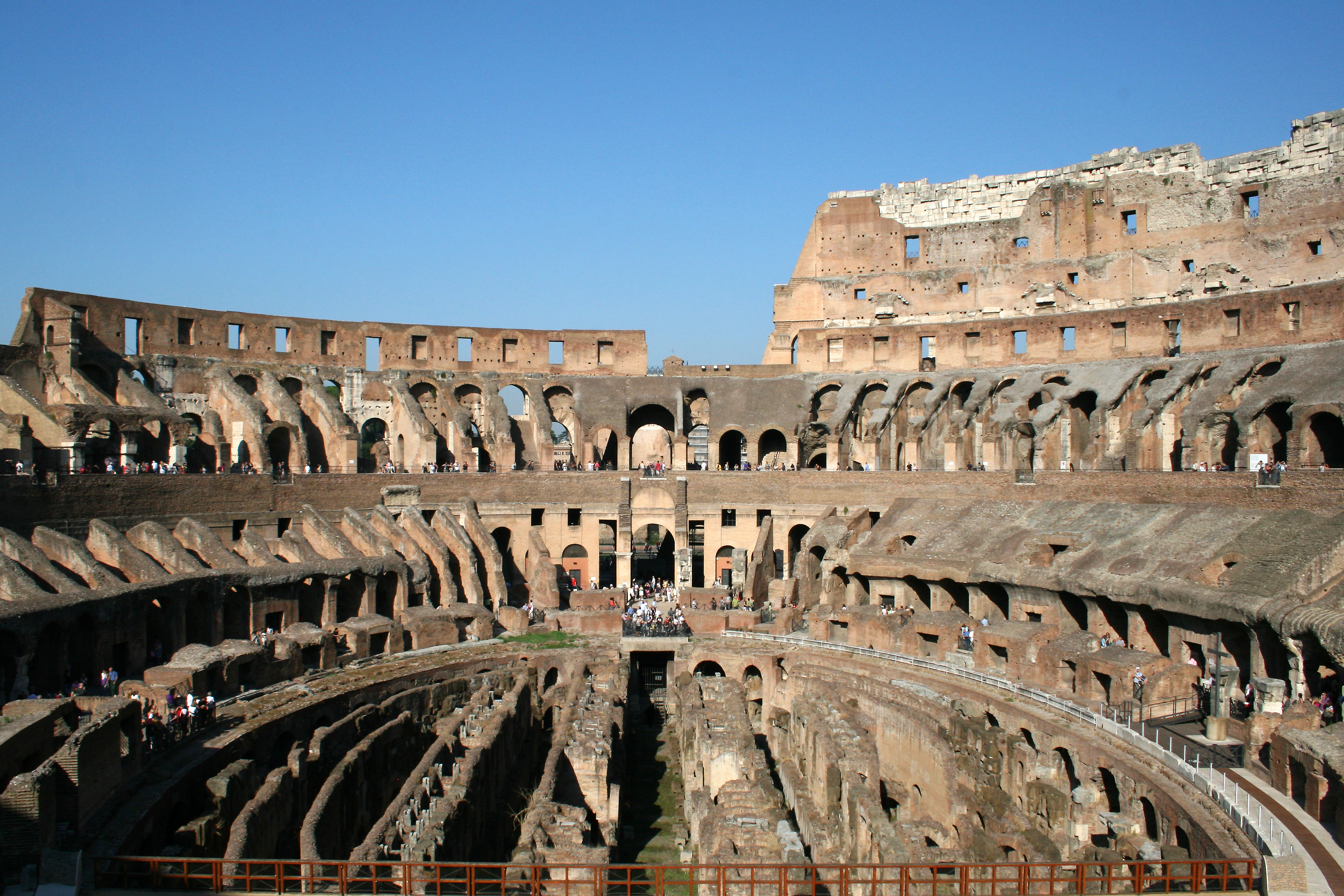 File:0 Colosseum - Rome 111001 (2).JPG - Wikipedia