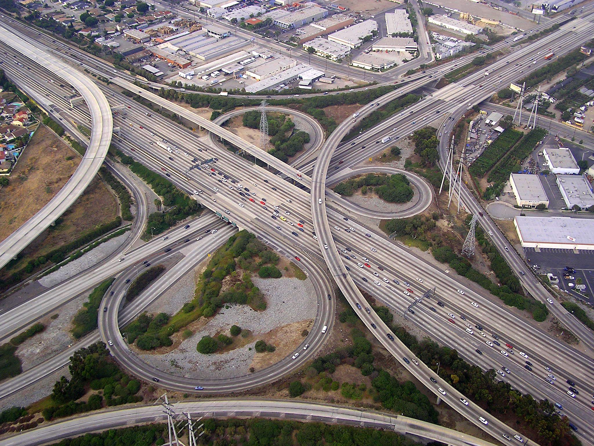 110 to 91 interchange - panoramio.jpg