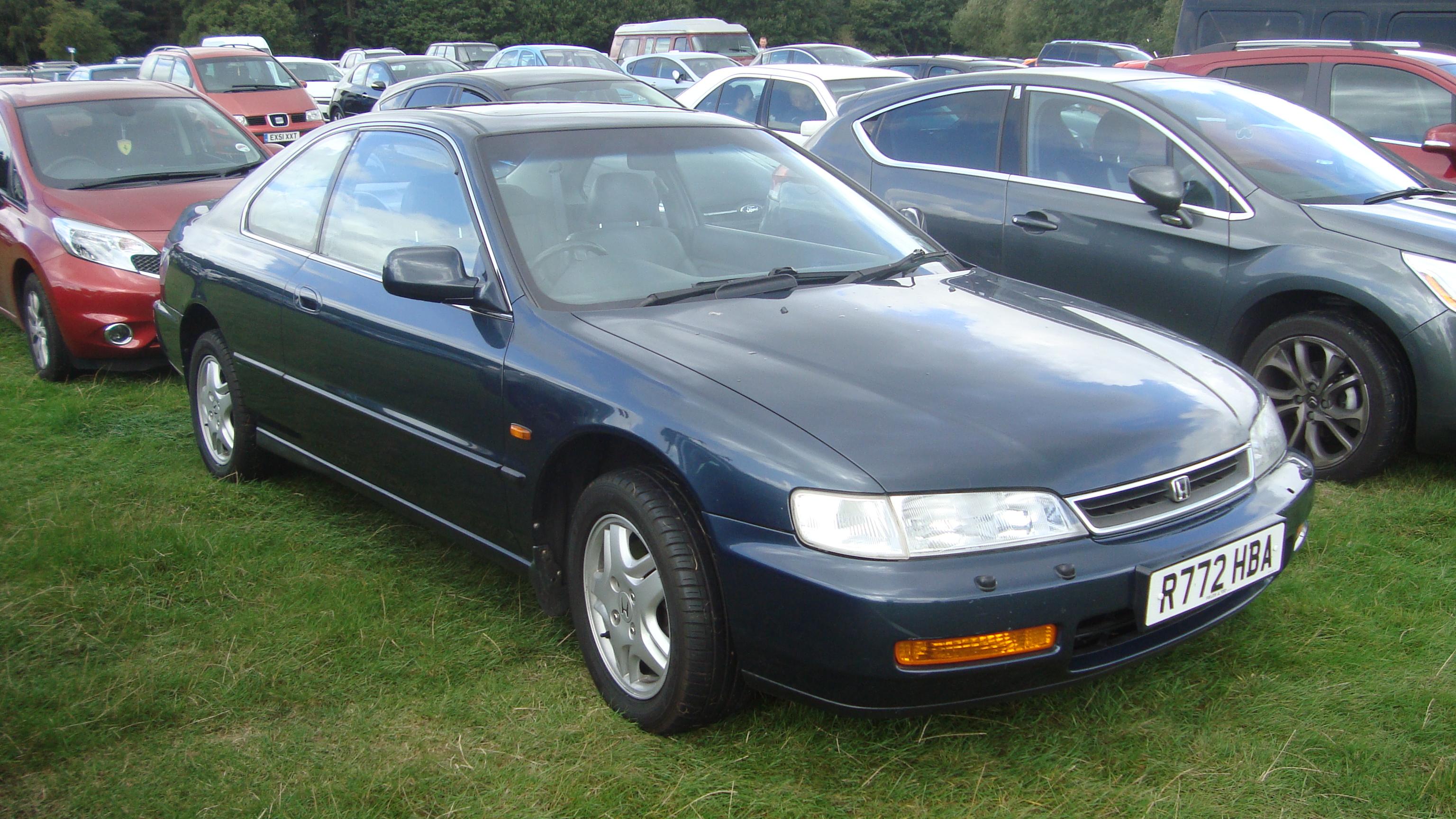 Kelebihan Honda Accord 1997 Perbandingan Harga