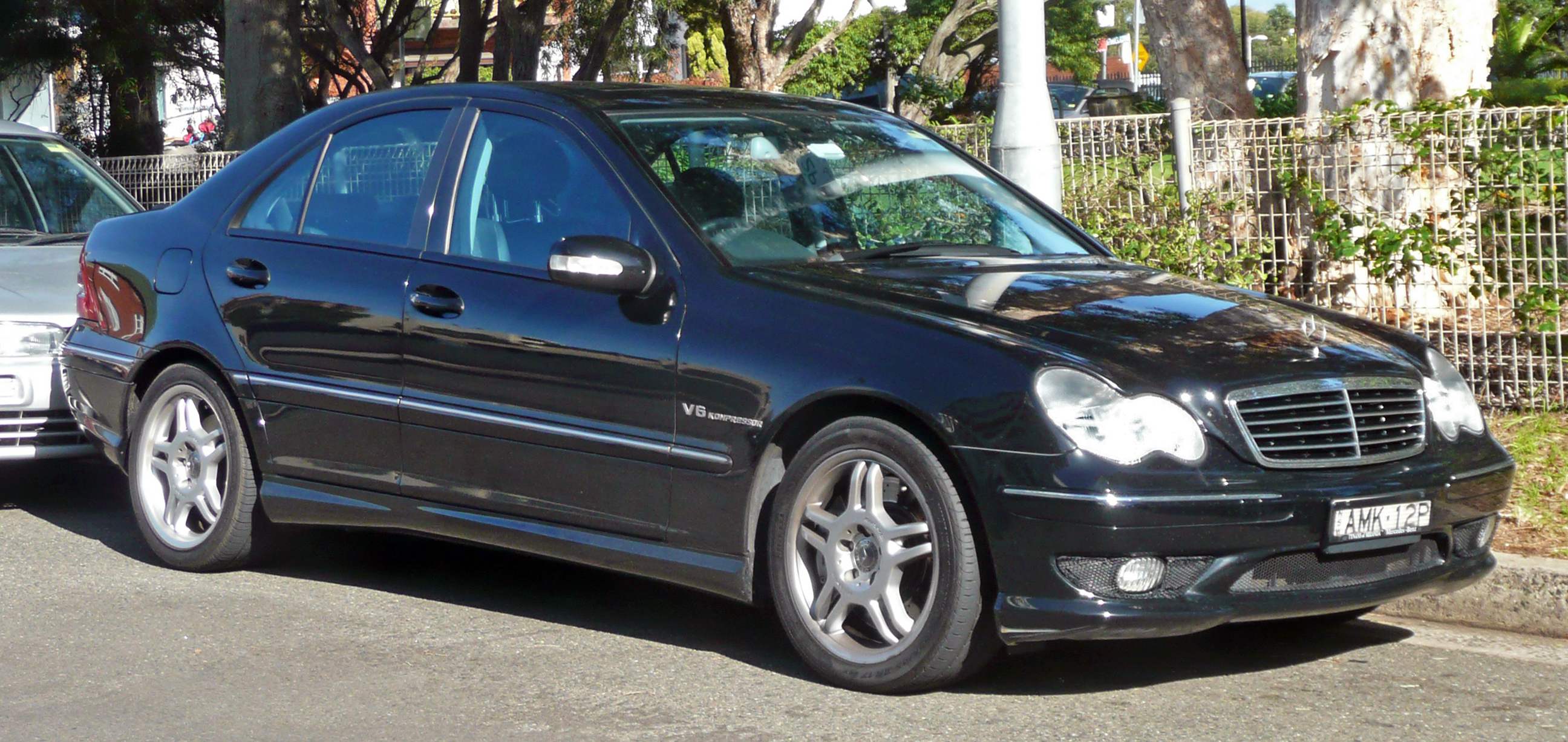 file 2002 mercedes benz c 32 amg w 203 sedan 2010 06 02 jpg wikimedia commons. Black Bedroom Furniture Sets. Home Design Ideas