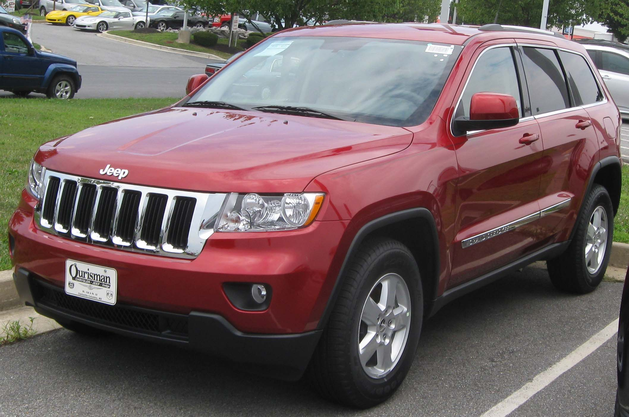 file:2011 jeep grand cherokee -- 08-12-2010 2 - wikimedia commons