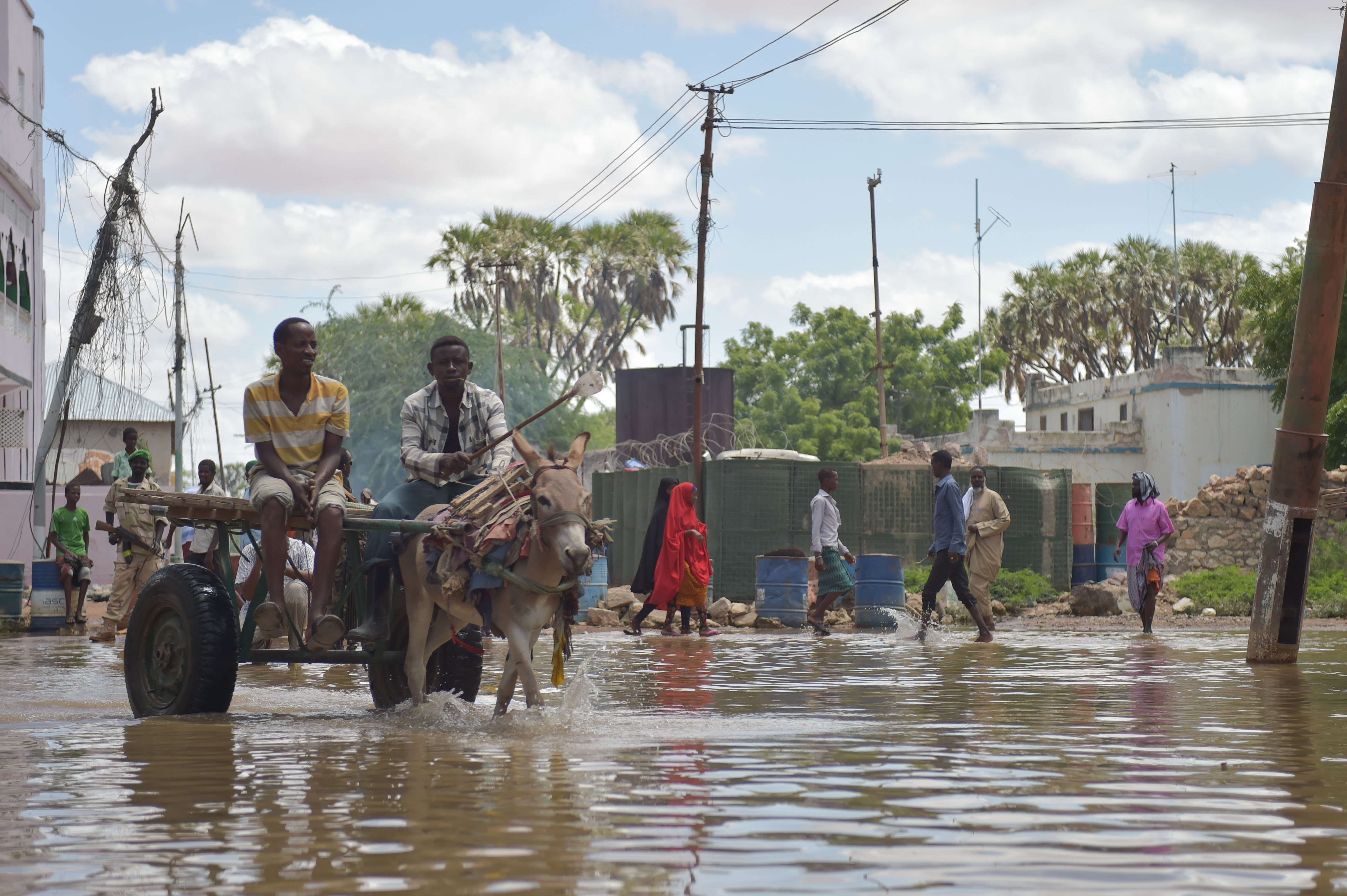 File:2016 27 Beletweyne Flooding-4 (27309119055).jpg - Wikimedia Commons