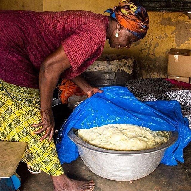 File:A woman making Shea butter.jpg - Wikimedia Commons