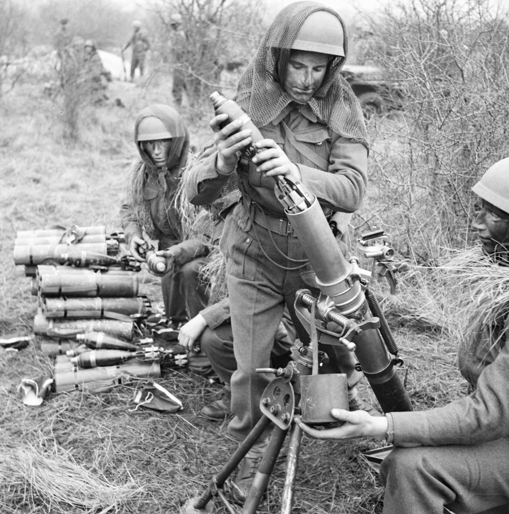 Military Mortar Sizes : File airborne troops training with a inch mortar