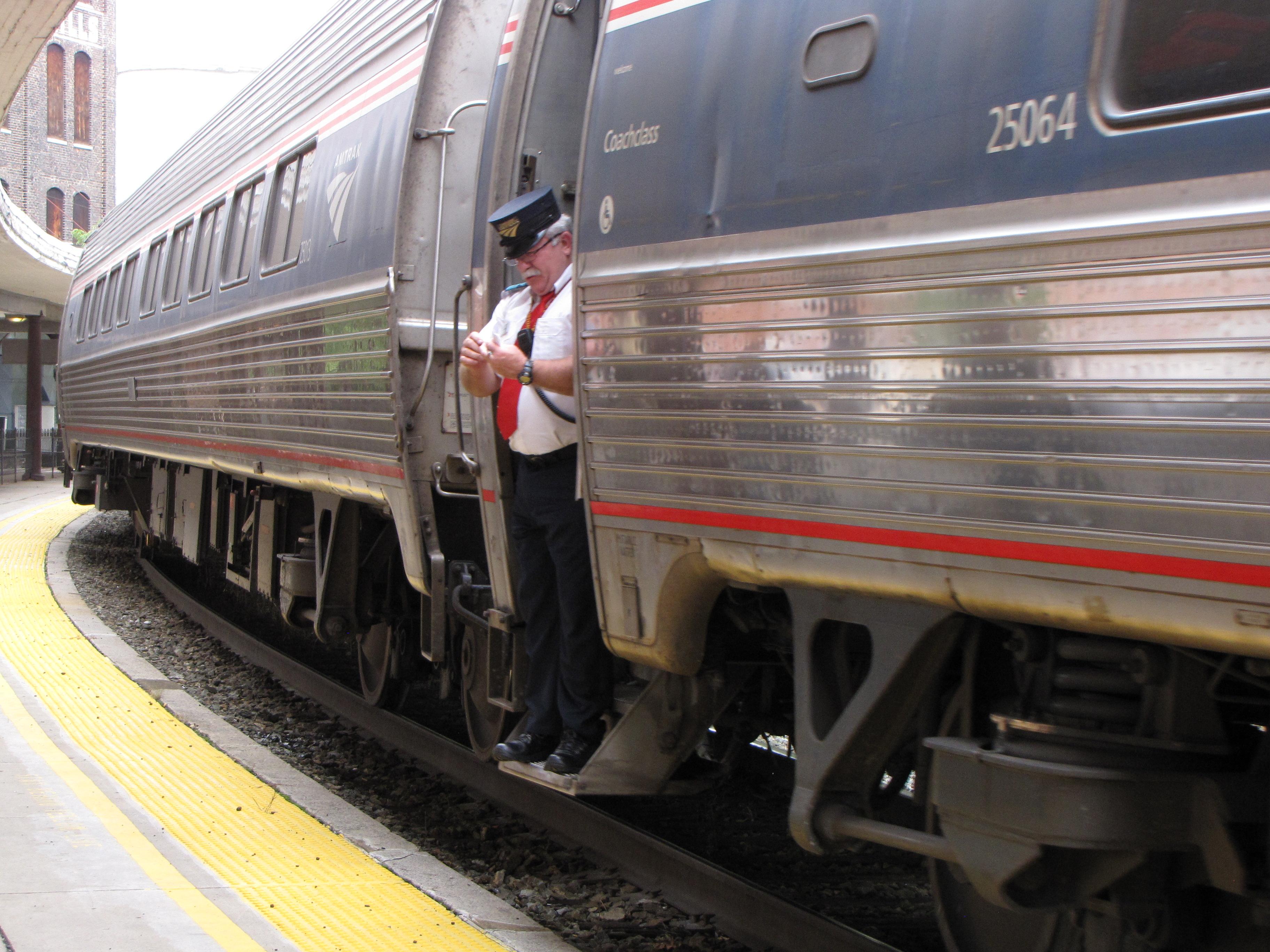 File:Amtrak conductor stands in train door as westbound Cardinal departs Staunton.jpg & File:Amtrak conductor stands in train door as westbound Cardinal ... Pezcame.Com
