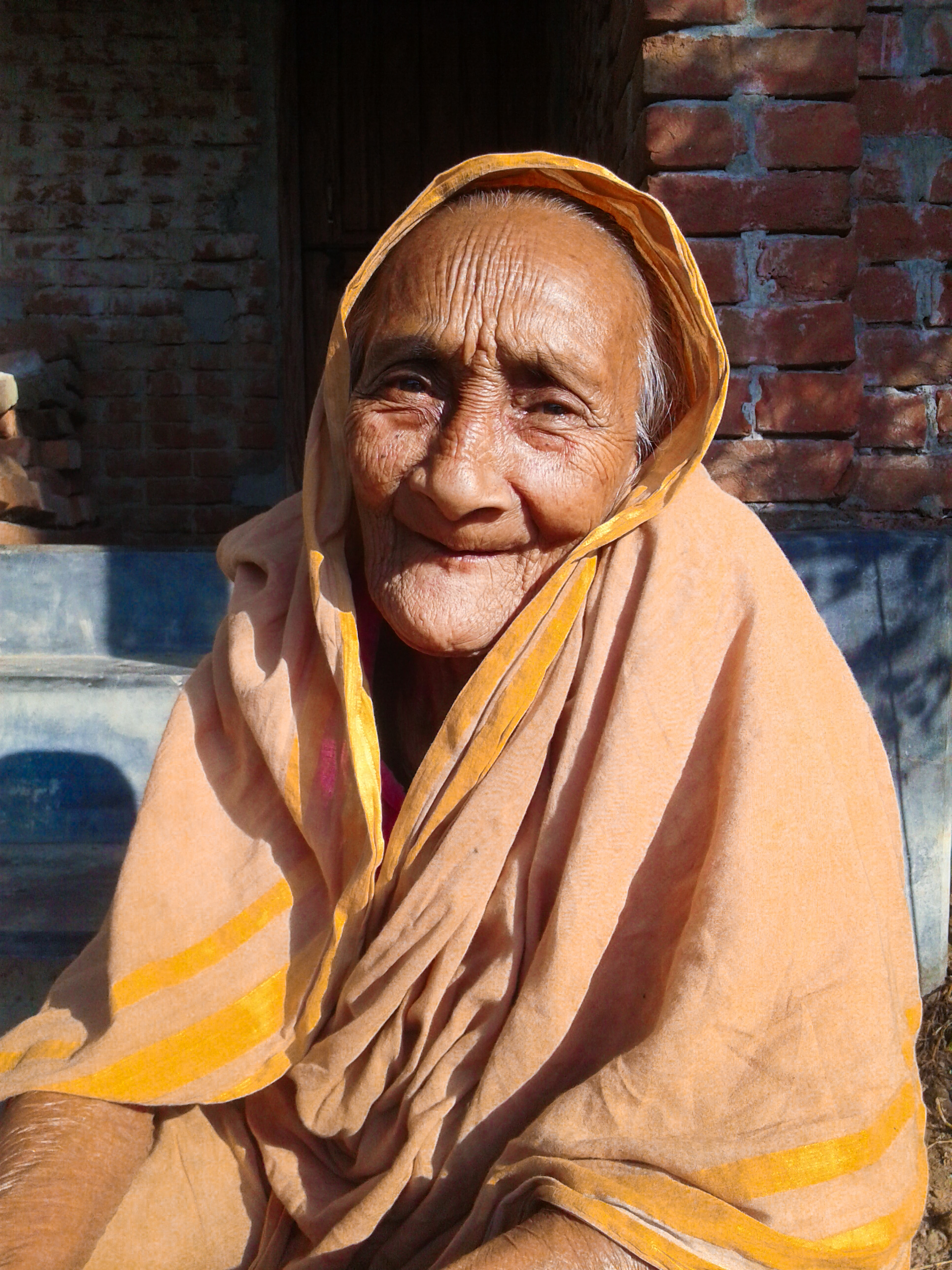Filean Old Granny 2Jpg - Wikimedia Commons-3102