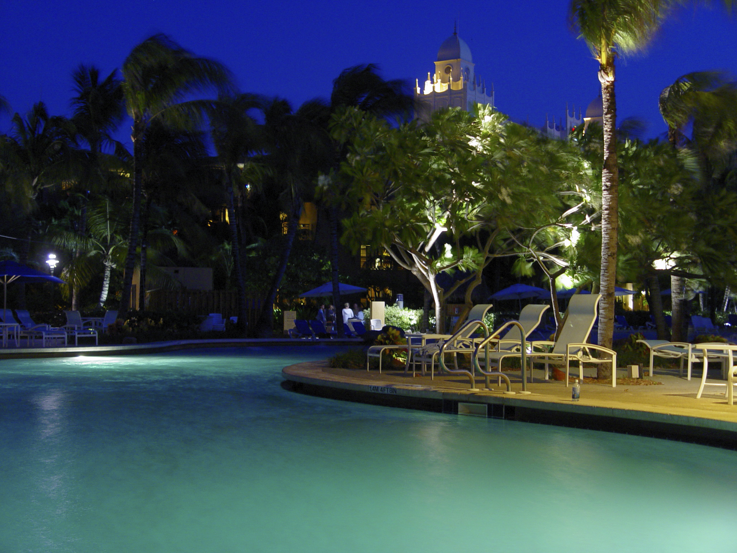 file:aruba radisson resort at night (2888377311) - wikimedia