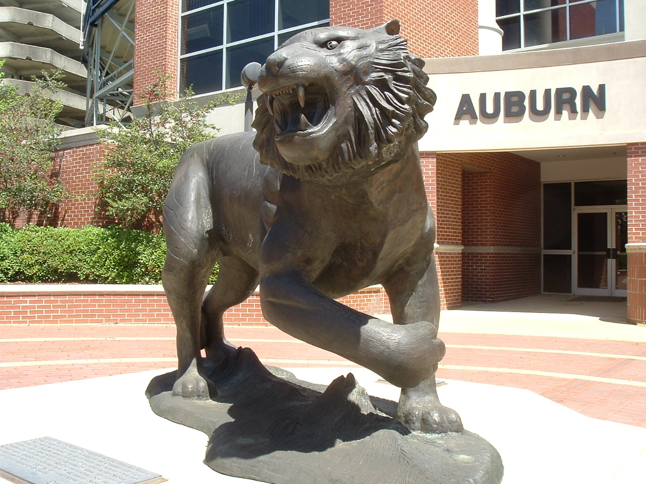Tiger statue outside Jordan-Hare Stadium
