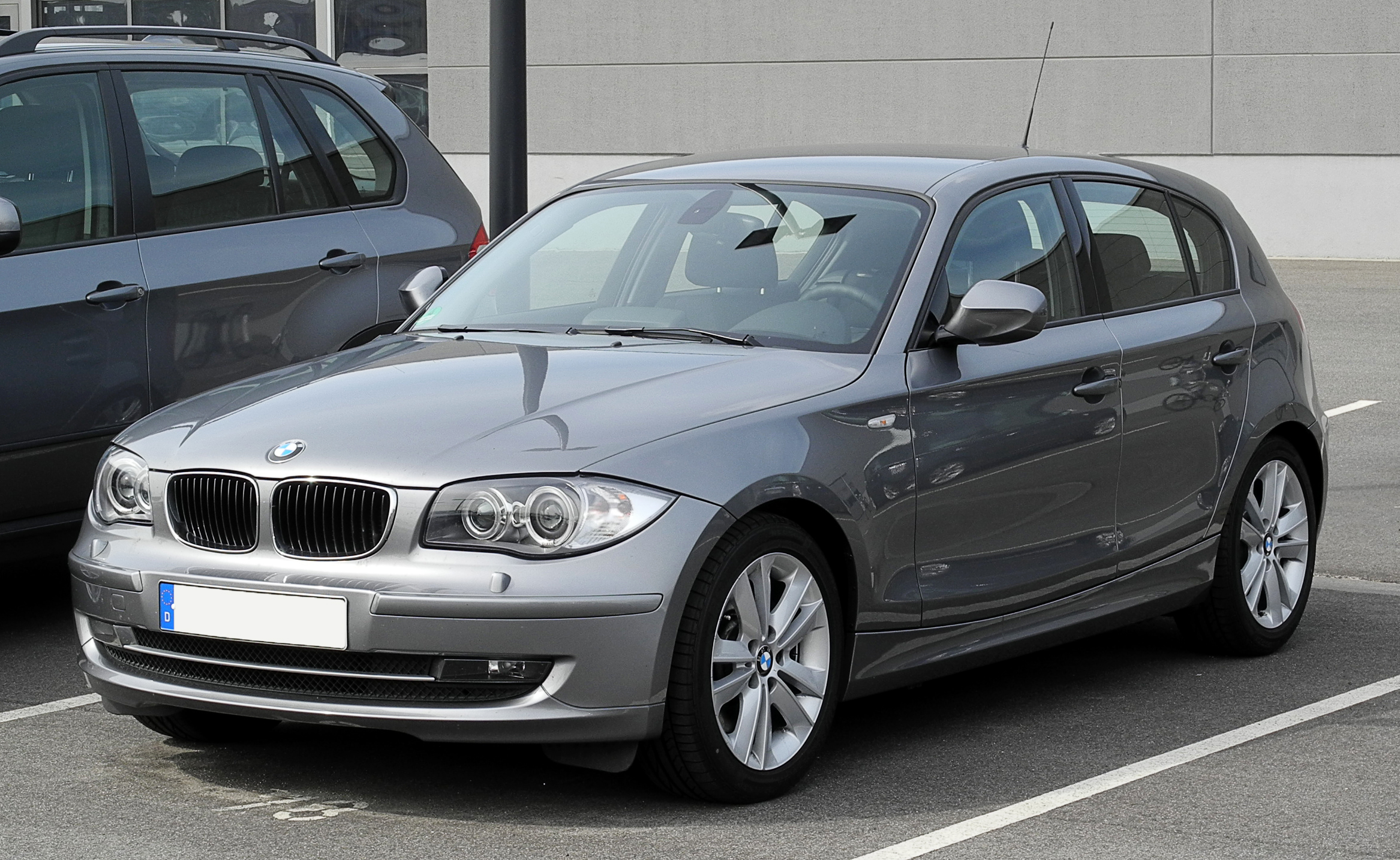 file bmw 123d e87 facelift frontansicht 12 juni 2011 d wikimedia commons. Black Bedroom Furniture Sets. Home Design Ideas