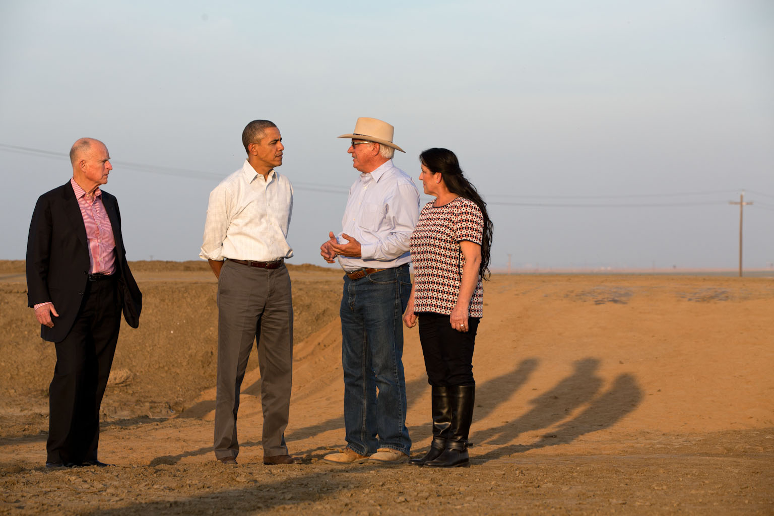 File:Barack Obama speaks with farmers about California drought, 2014.jpg
