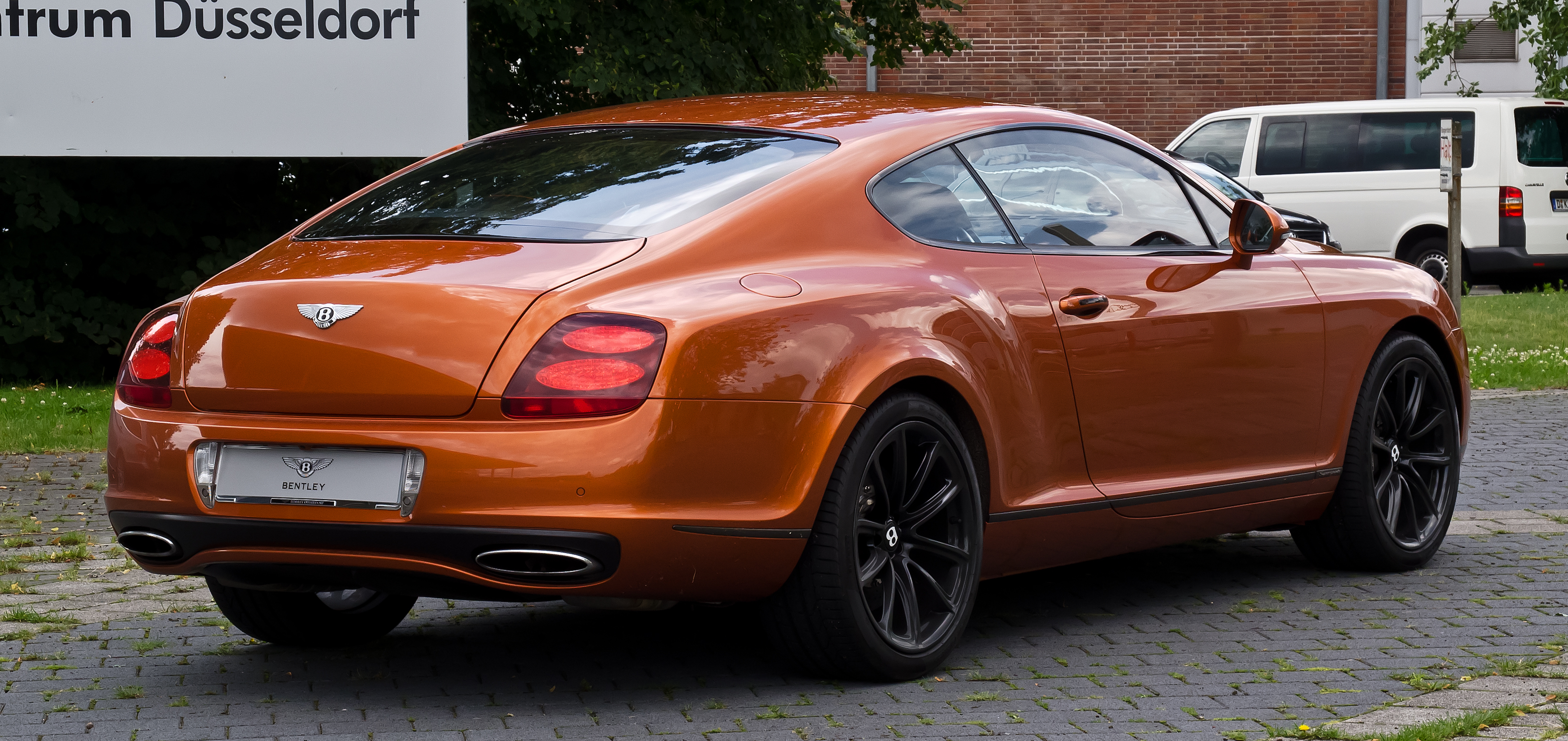 File:Bentley Continental Supersports U2013 Heckansicht, 18. Juli 2012,  Düsseldorf
