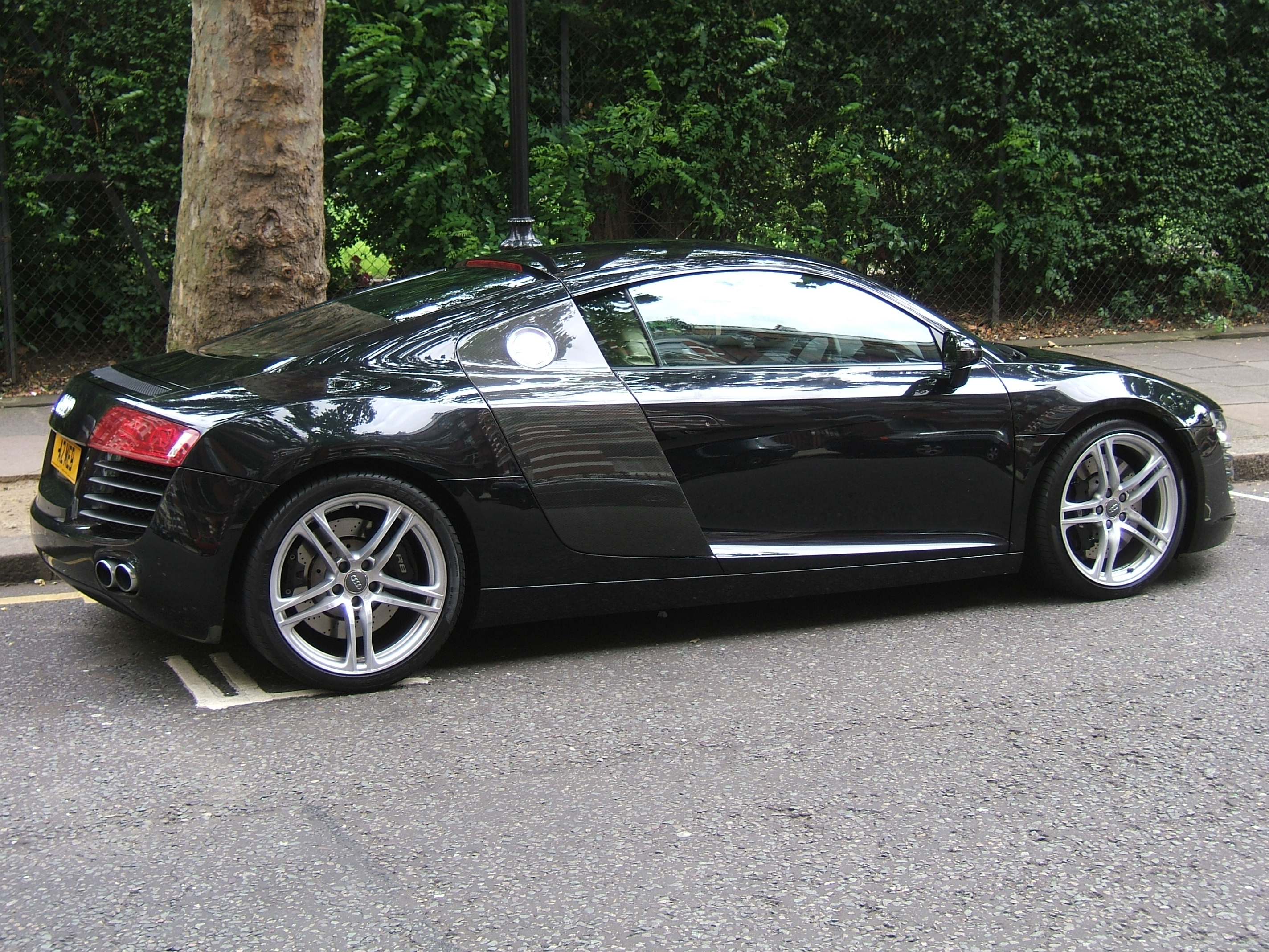 FileBlack Audi R Jpg Wikimedia Commons - Audi r8 black