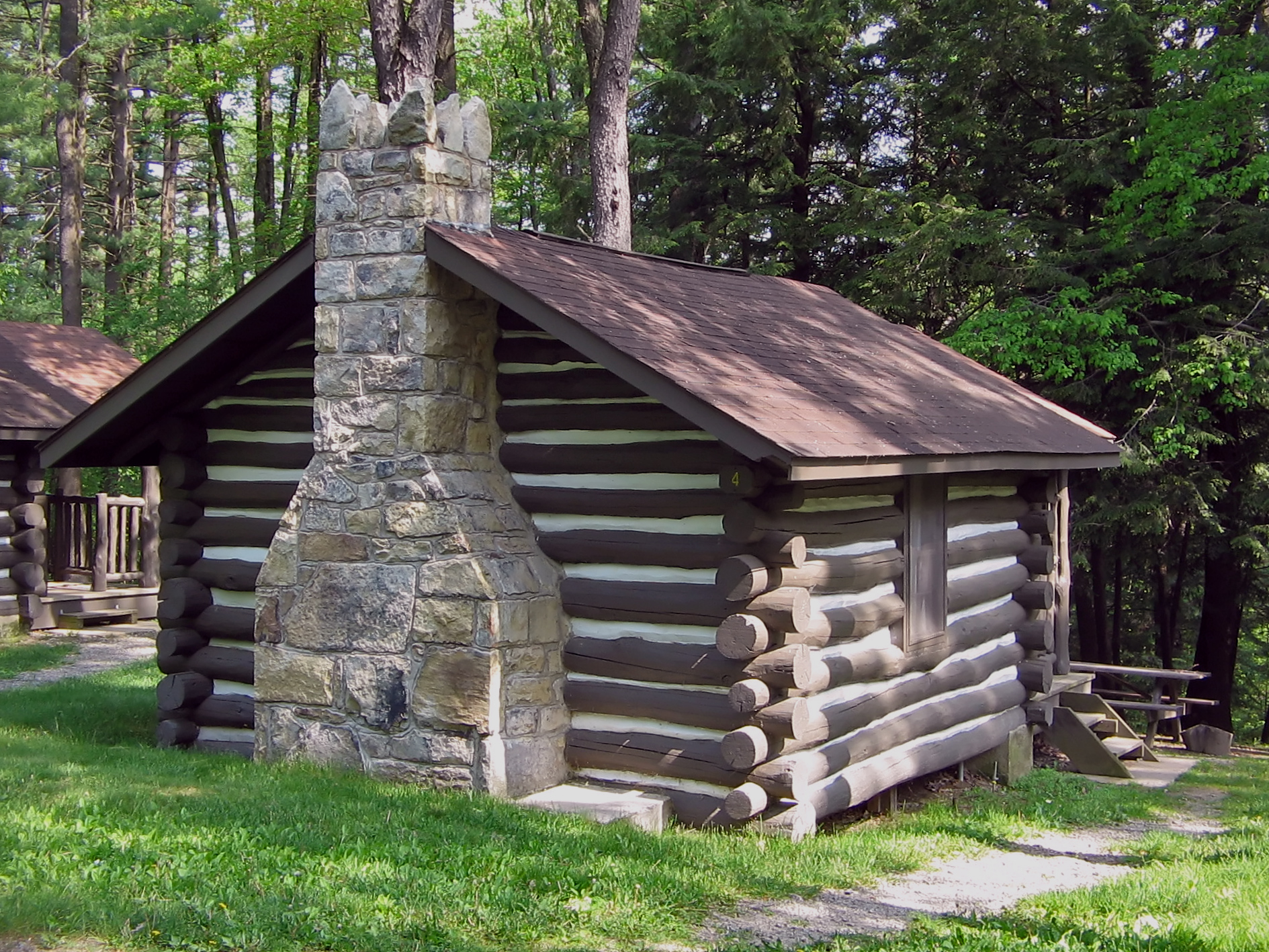 Log Cabin at Black Moshannon State Park, Pennsylvania by User: Ruhrfisch - Wikimedia Commons