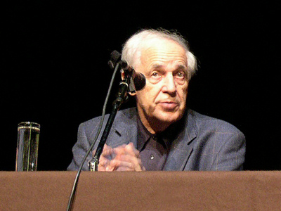 https://upload.wikimedia.org/wikipedia/commons/b/b4/Boulez25oct2004.jpg