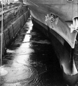 Bow of USS Kearsarge (CVS-33) at Long Beach NS 1969.JPG