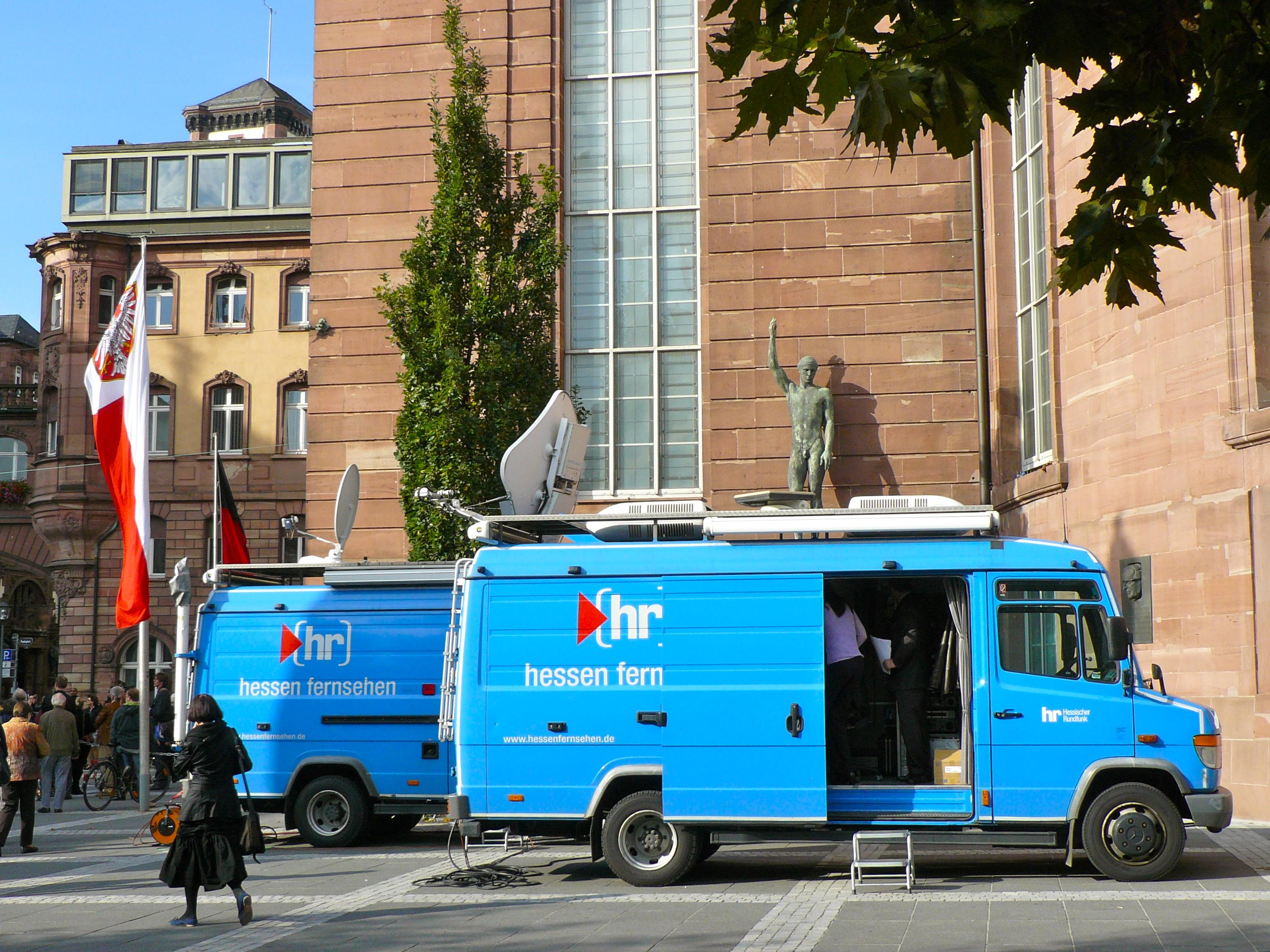 1b3d384483 File Broadcast van at St. Paul s Church Frankfurt Hesse Germany.JPG ...