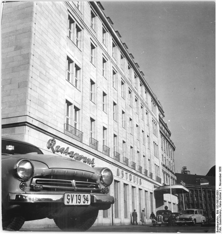 Modernes Hotel In Der Nahe Von Koln