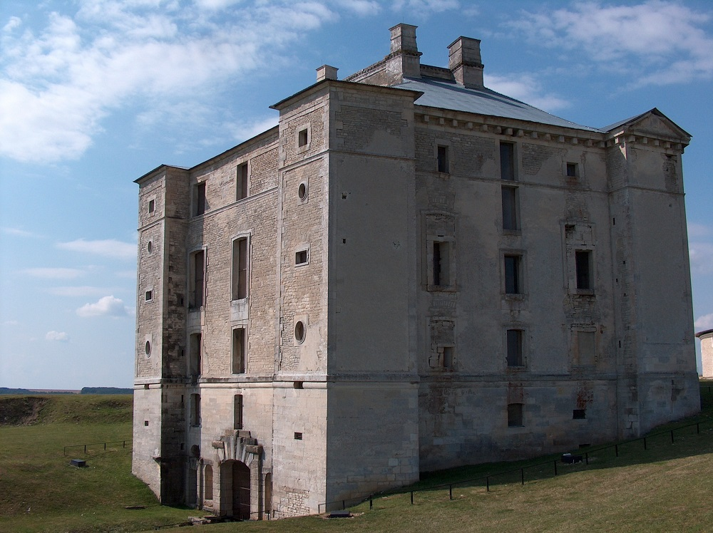 Cruzy-le-Châtel