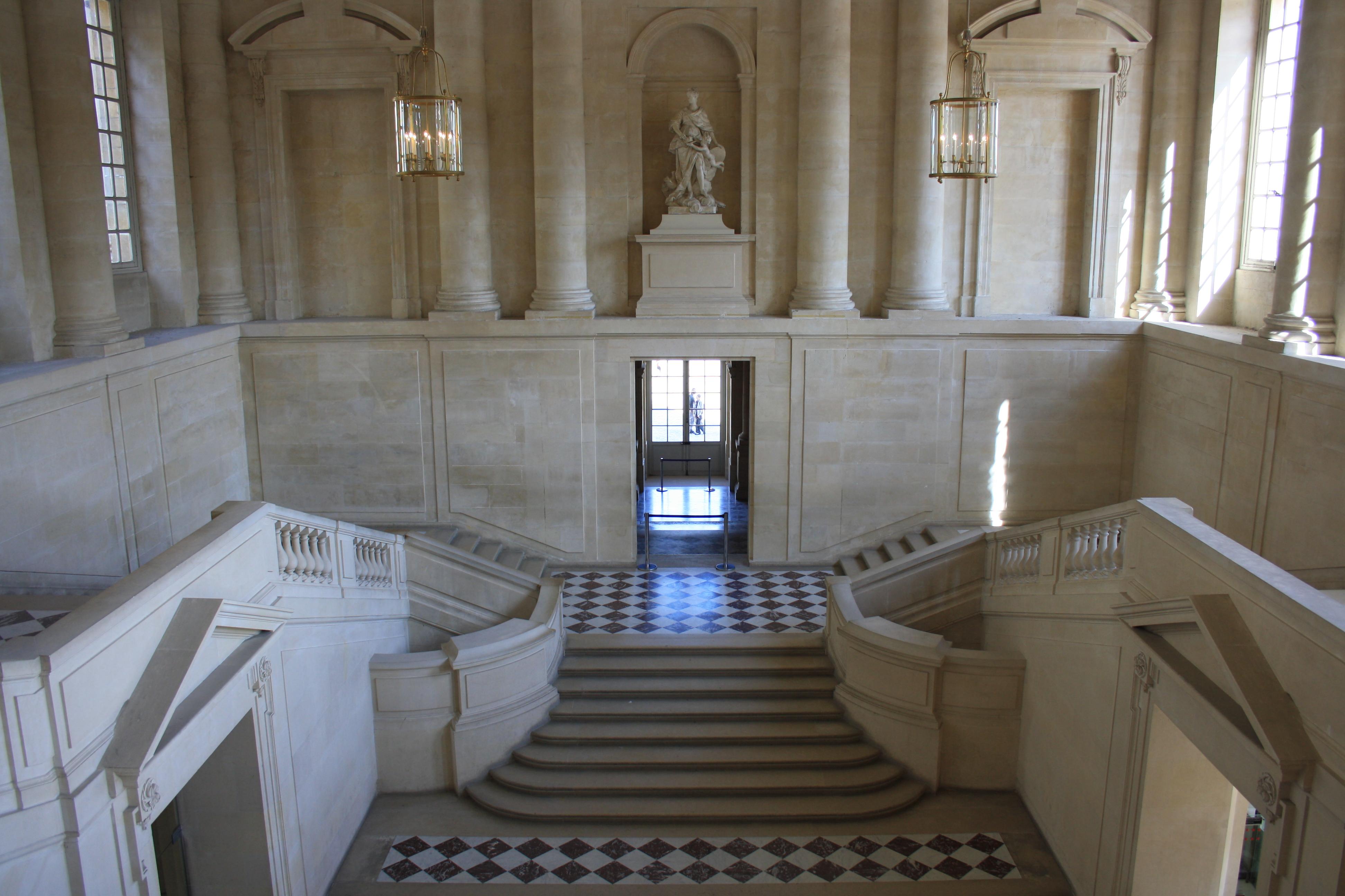 File chateau de versailles escalier gabriel 2011 for Salle de bain louis xv versailles